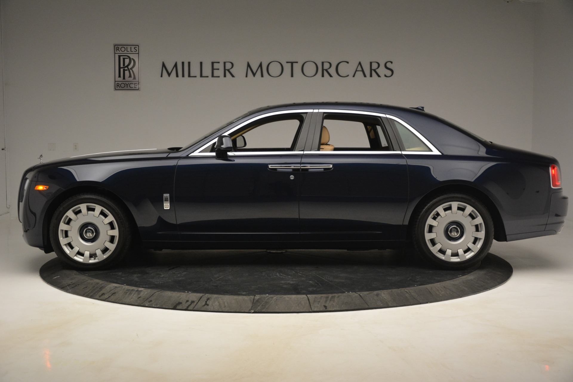 Used 2014 Rolls-Royce Ghost  For Sale In Greenwich, CT. Alfa Romeo of Greenwich, 7508 2990_p4