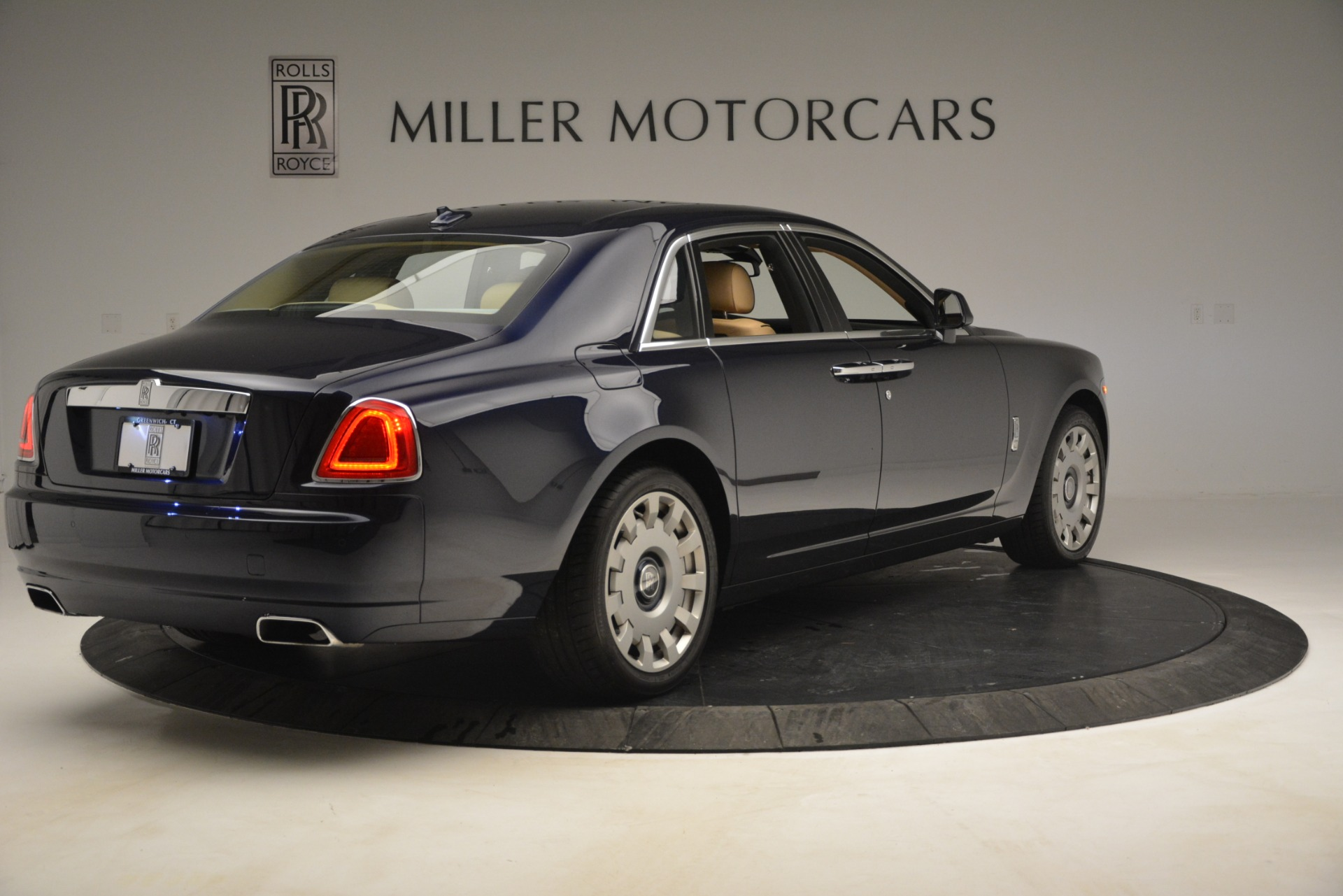 Used 2014 Rolls-Royce Ghost  For Sale In Greenwich, CT. Alfa Romeo of Greenwich, 7508 2990_p8