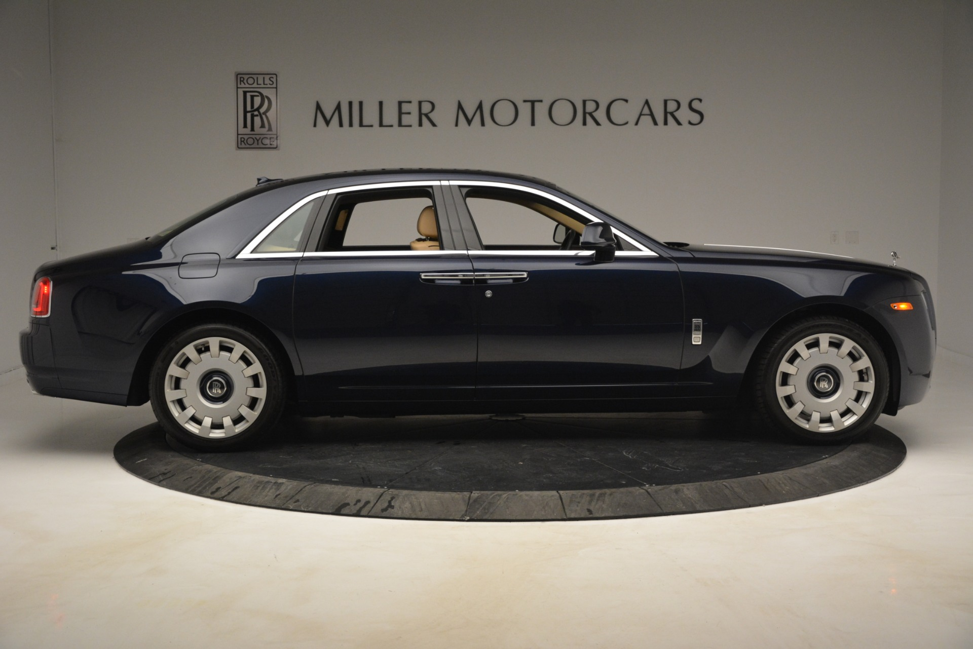 Used 2014 Rolls-Royce Ghost  For Sale In Greenwich, CT. Alfa Romeo of Greenwich, 7508 2990_p9