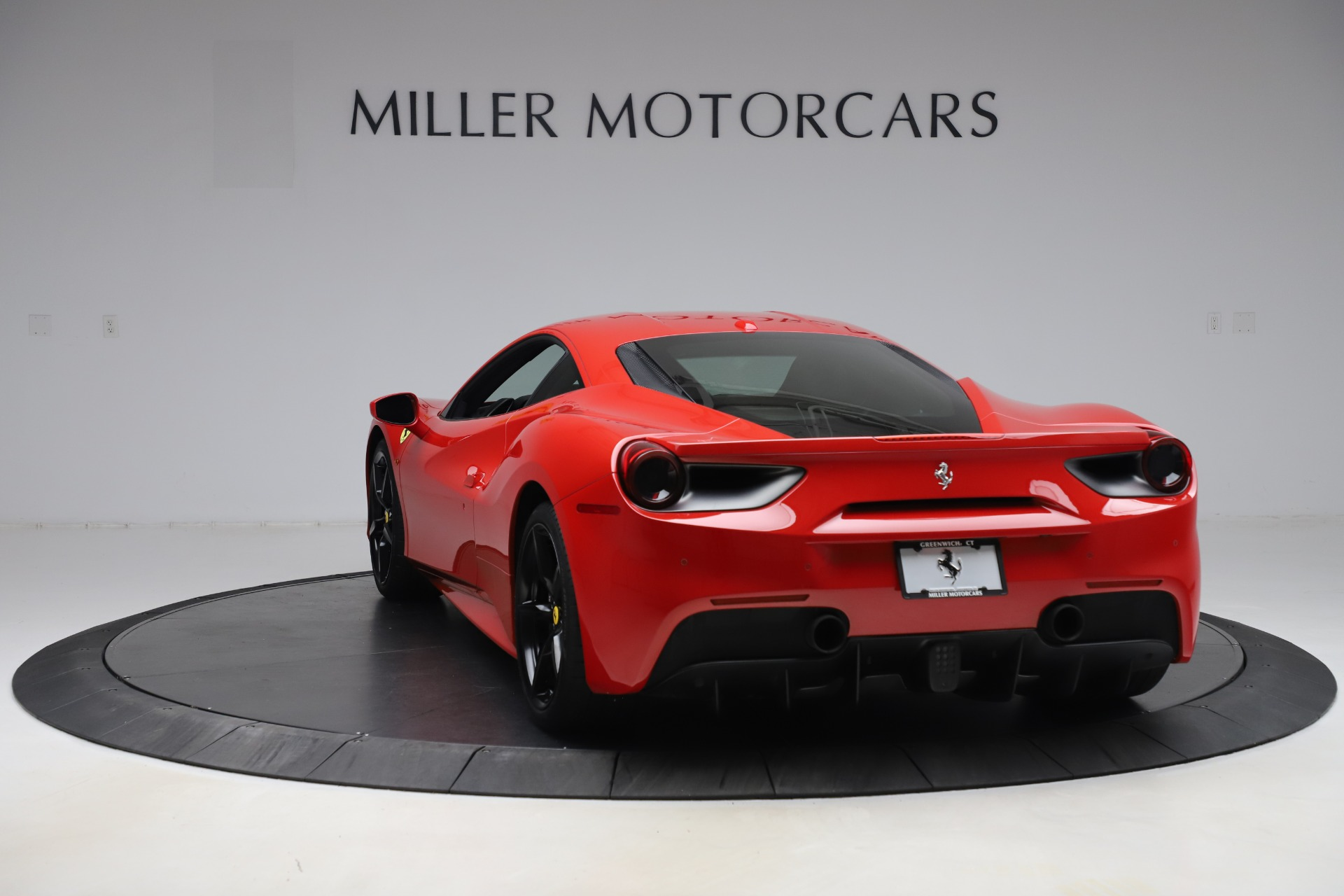 Used 2018 Ferrari 488 GTB  For Sale In Greenwich, CT. Alfa Romeo of Greenwich, F1955 2991_p5