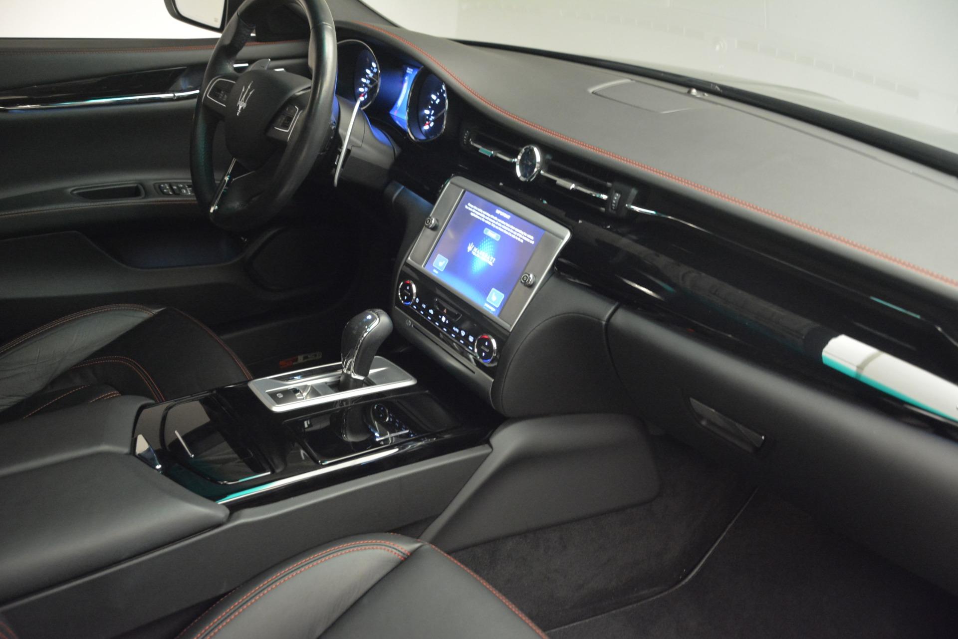 Used 2015 Maserati Quattroporte GTS For Sale In Greenwich, CT. Alfa Romeo of Greenwich, R482A 2993_p16