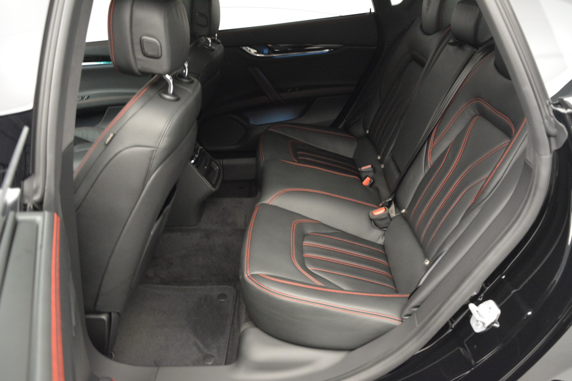 Used 2015 Maserati Quattroporte GTS For Sale In Greenwich, CT. Alfa Romeo of Greenwich, R482A 2993_p20