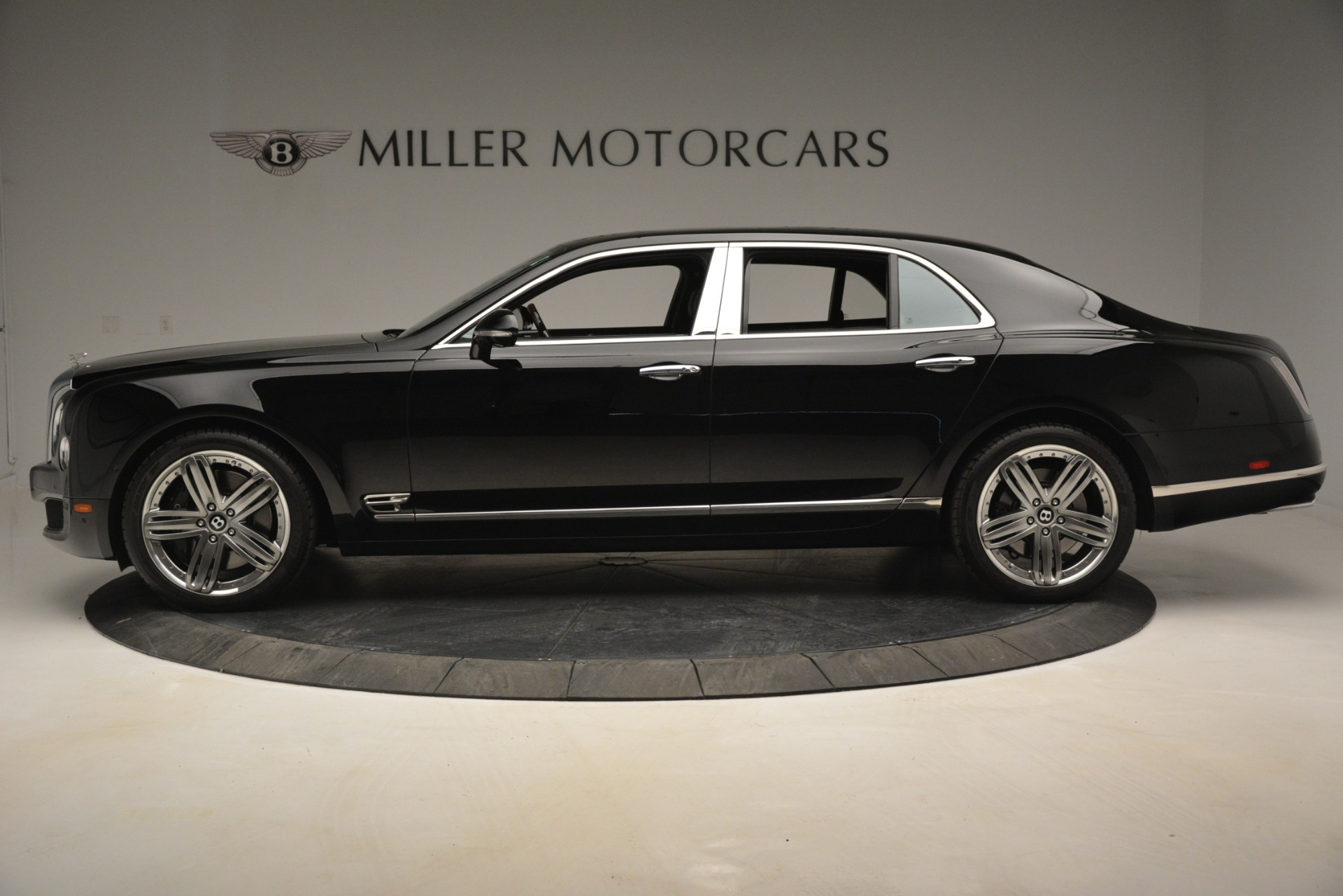 Used 2013 Bentley Mulsanne Le Mans Edition For Sale In Greenwich, CT. Alfa Romeo of Greenwich, 7506 2995_p3