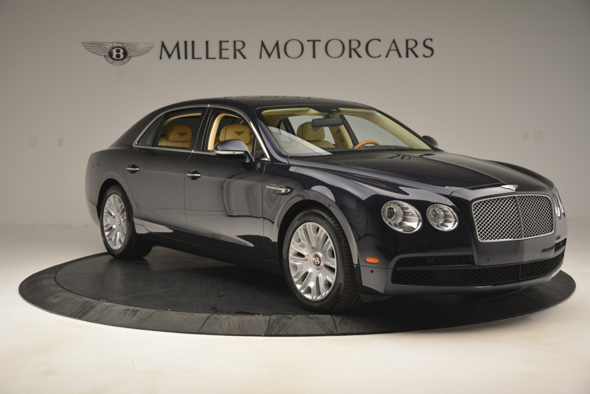 Used 2015 Bentley Flying Spur V8 For Sale In Greenwich, CT. Alfa Romeo of Greenwich, 7499 2997_p10
