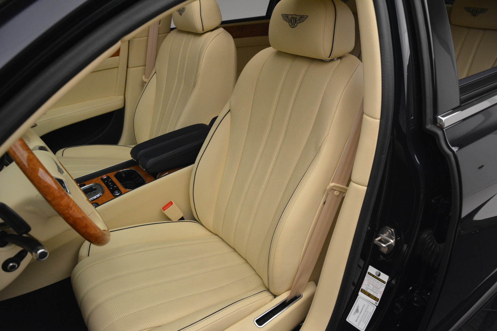 Used 2015 Bentley Flying Spur V8 For Sale In Greenwich, CT. Alfa Romeo of Greenwich, 7499 2997_p18