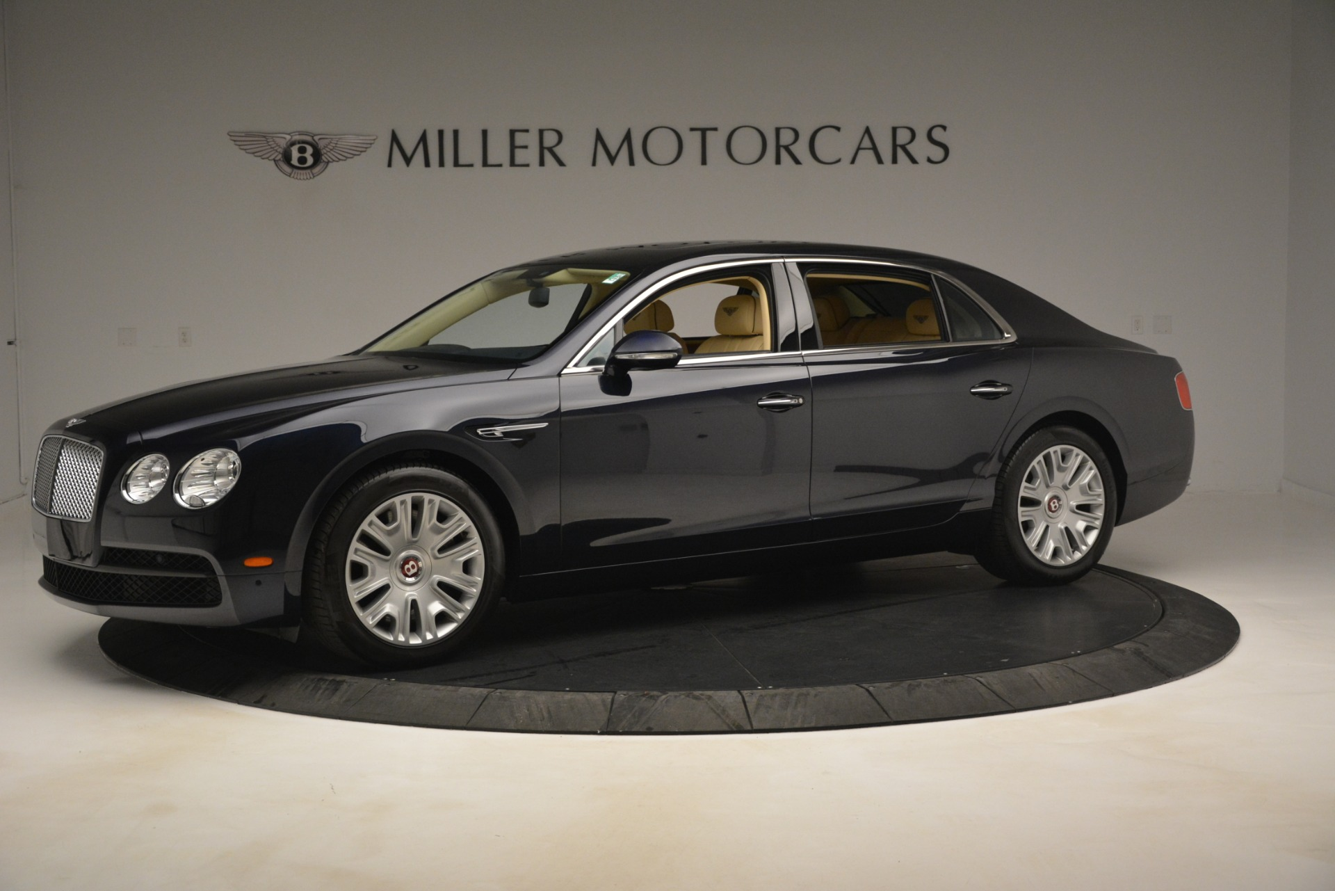 Used 2015 Bentley Flying Spur V8 For Sale In Greenwich, CT. Alfa Romeo of Greenwich, 7499 2997_p2