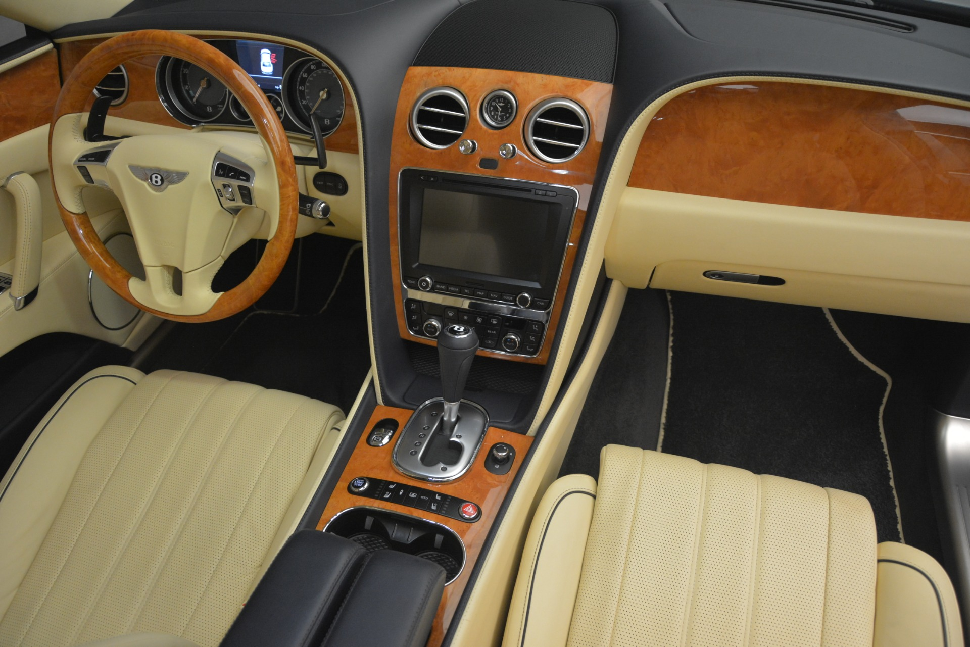 Used 2015 Bentley Flying Spur V8 For Sale In Greenwich, CT. Alfa Romeo of Greenwich, 7499 2997_p32