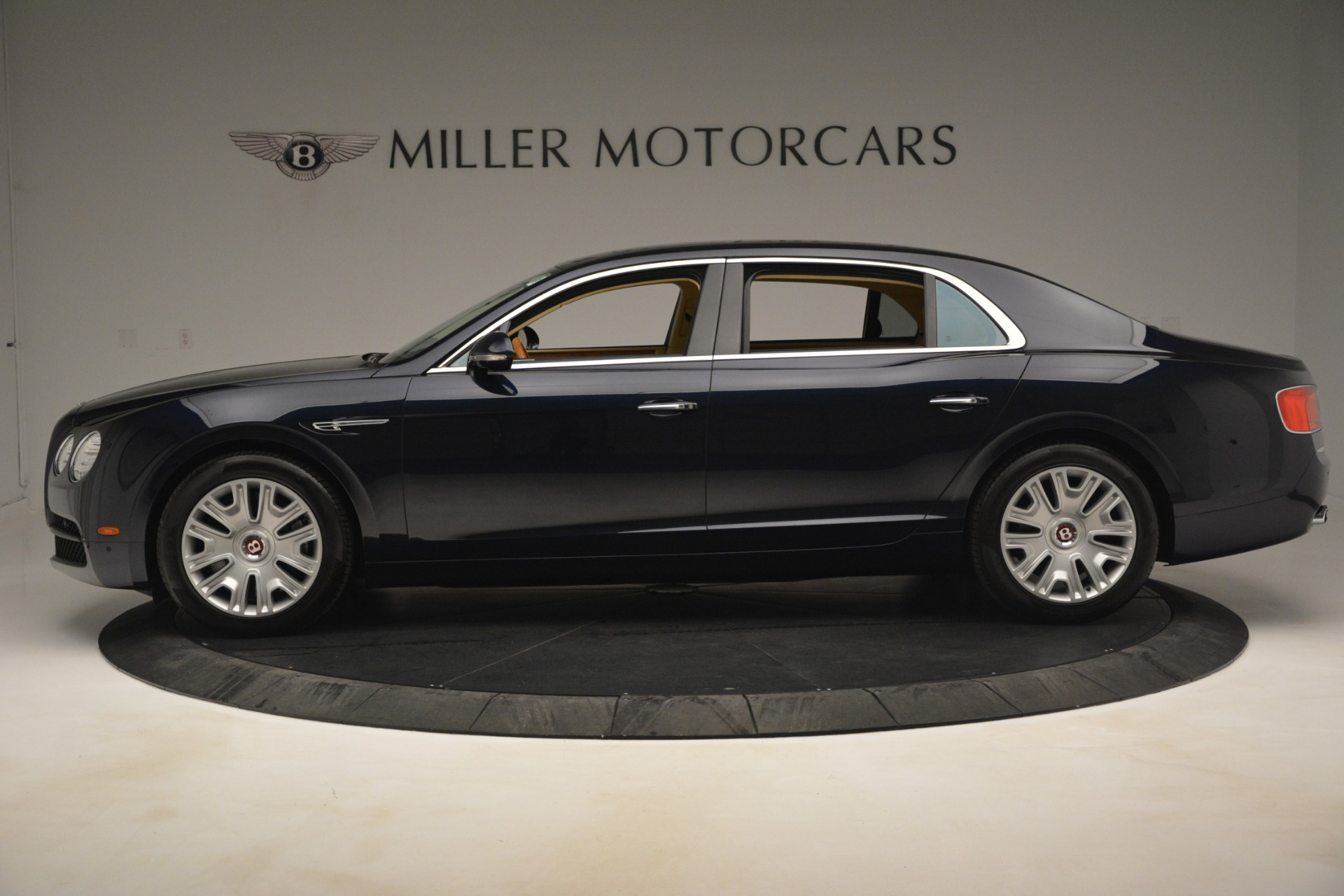 Used 2015 Bentley Flying Spur V8 For Sale In Greenwich, CT. Alfa Romeo of Greenwich, 7499 2997_p3