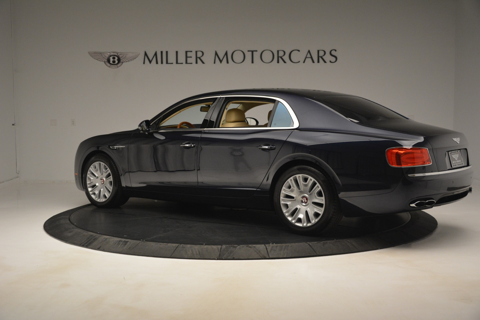 Used 2015 Bentley Flying Spur V8 For Sale In Greenwich, CT. Alfa Romeo of Greenwich, 7499 2997_p4