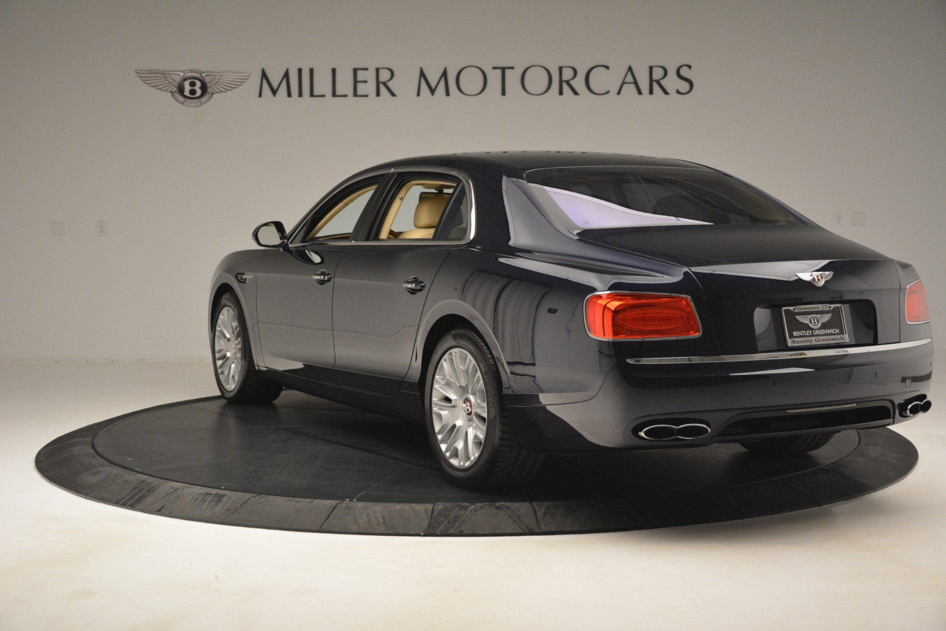 Used 2015 Bentley Flying Spur V8 For Sale In Greenwich, CT. Alfa Romeo of Greenwich, 7499 2997_p5