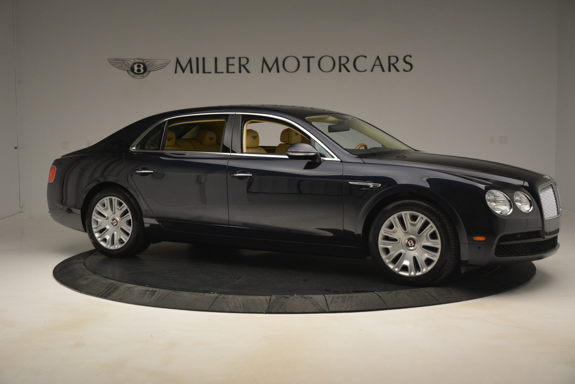 Used 2015 Bentley Flying Spur V8 For Sale In Greenwich, CT. Alfa Romeo of Greenwich, 7499 2997_p9