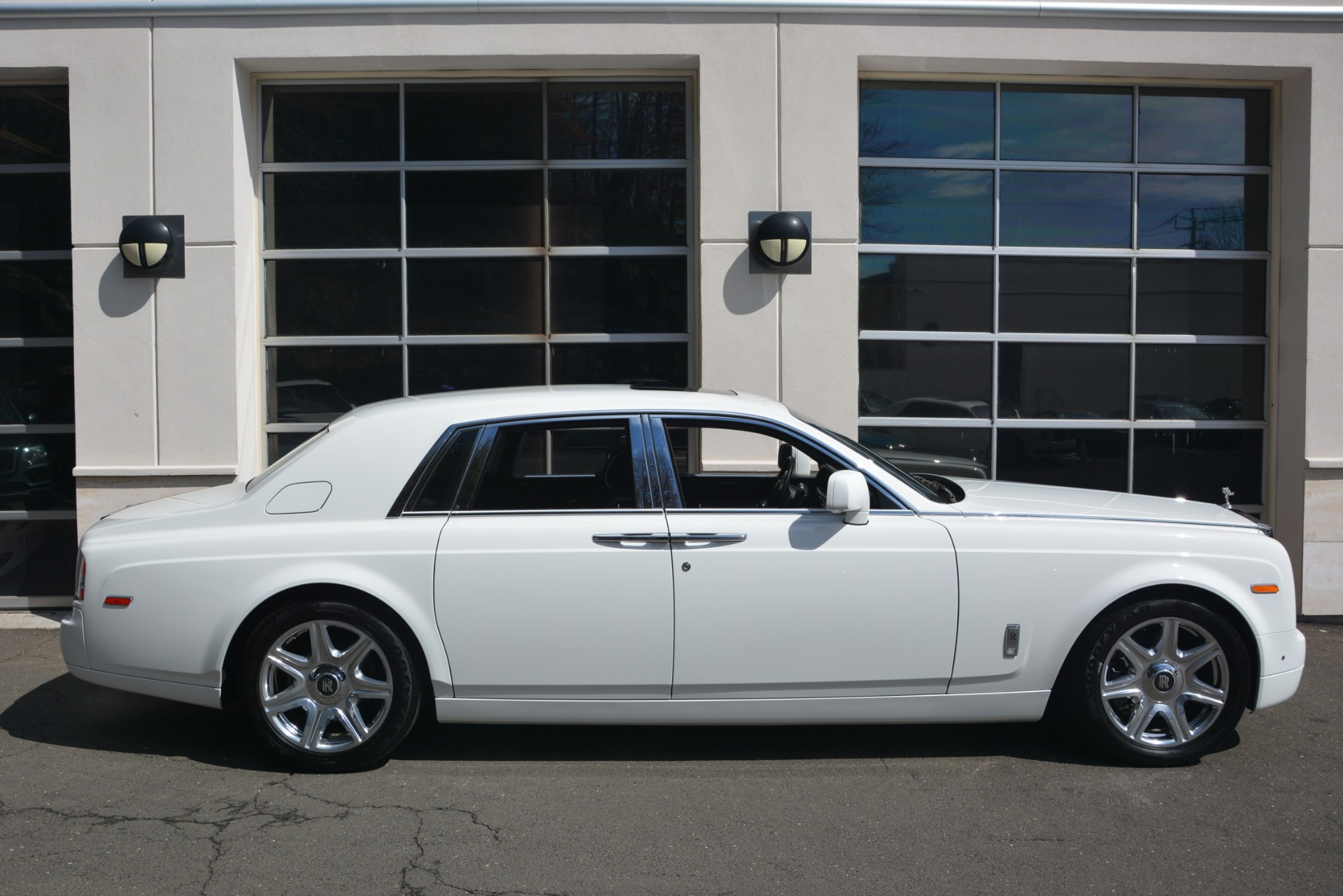 Used 2014 Rolls-Royce Phantom  For Sale In Greenwich, CT. Alfa Romeo of Greenwich, 7503 2998_p10