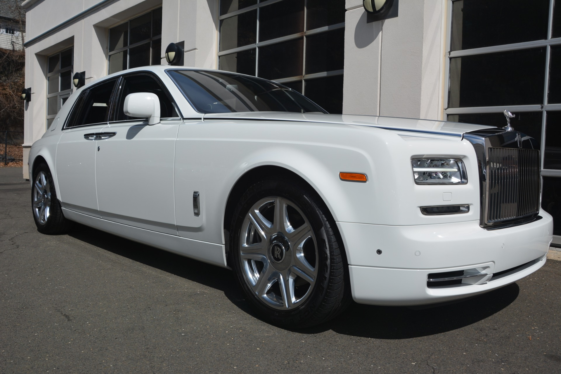 Used 2014 Rolls-Royce Phantom  For Sale In Greenwich, CT. Alfa Romeo of Greenwich, 7503 2998_p13