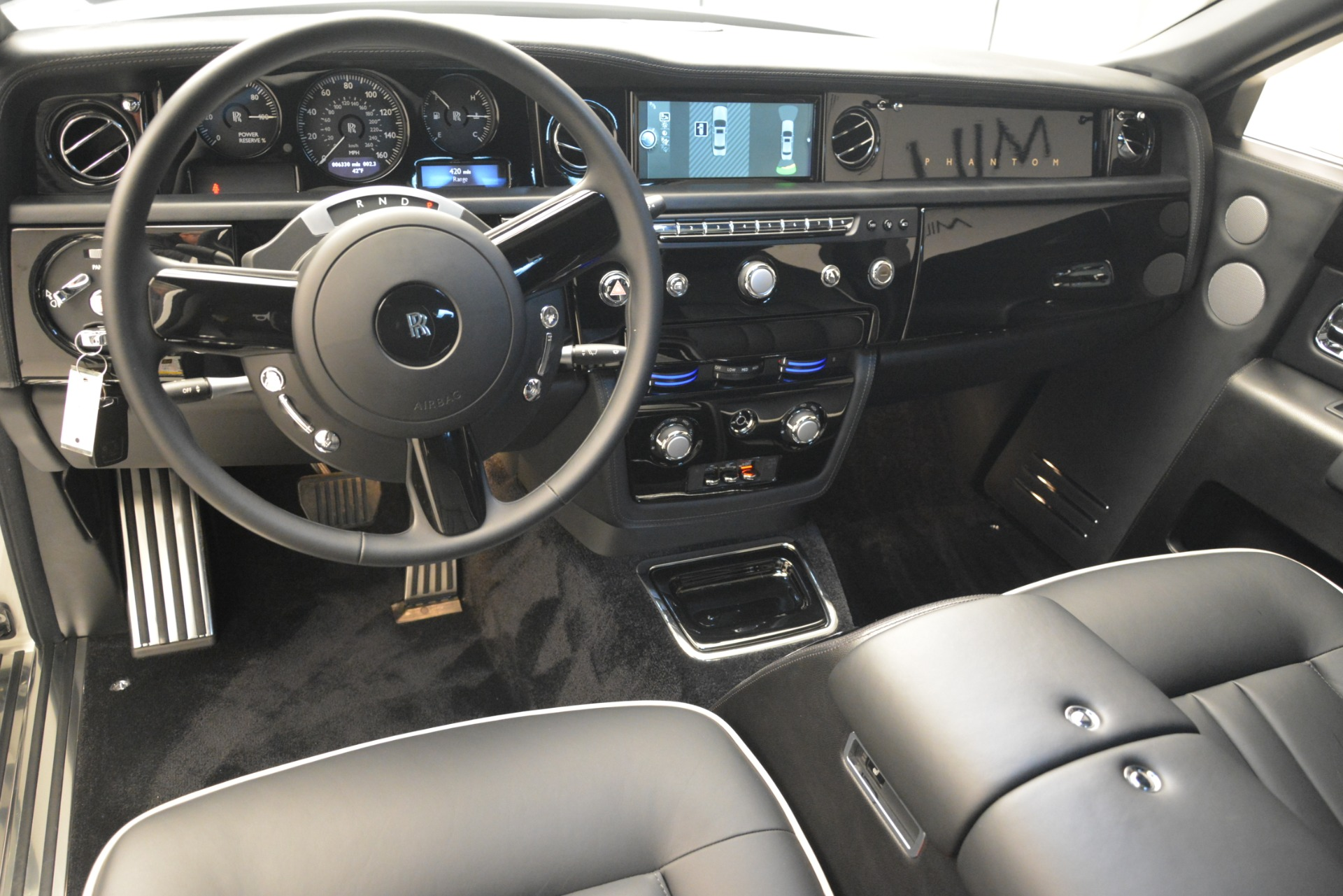 Used 2014 Rolls-Royce Phantom  For Sale In Greenwich, CT. Alfa Romeo of Greenwich, 7503 2998_p18
