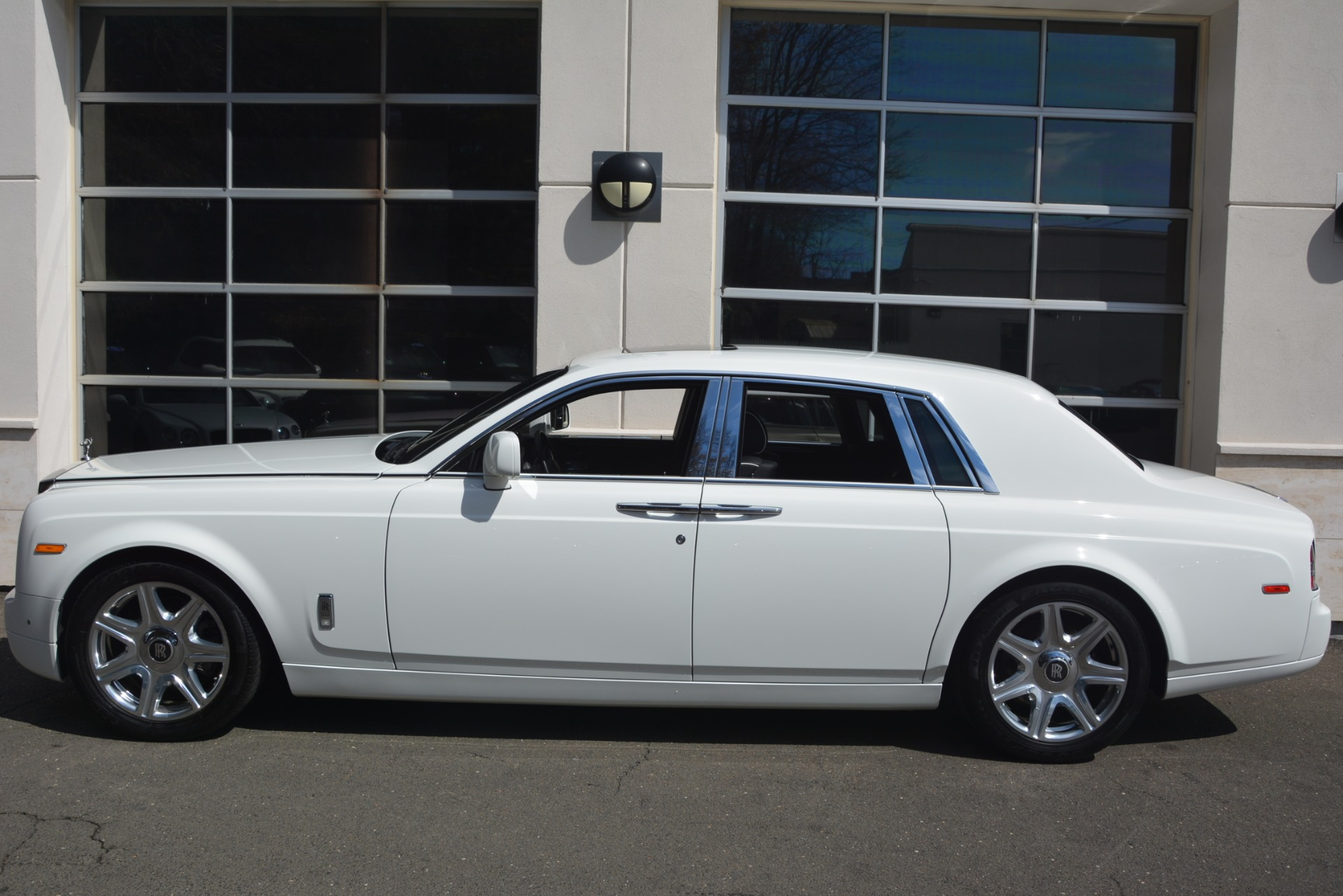 Used 2014 Rolls-Royce Phantom  For Sale In Greenwich, CT. Alfa Romeo of Greenwich, 7503 2998_p4