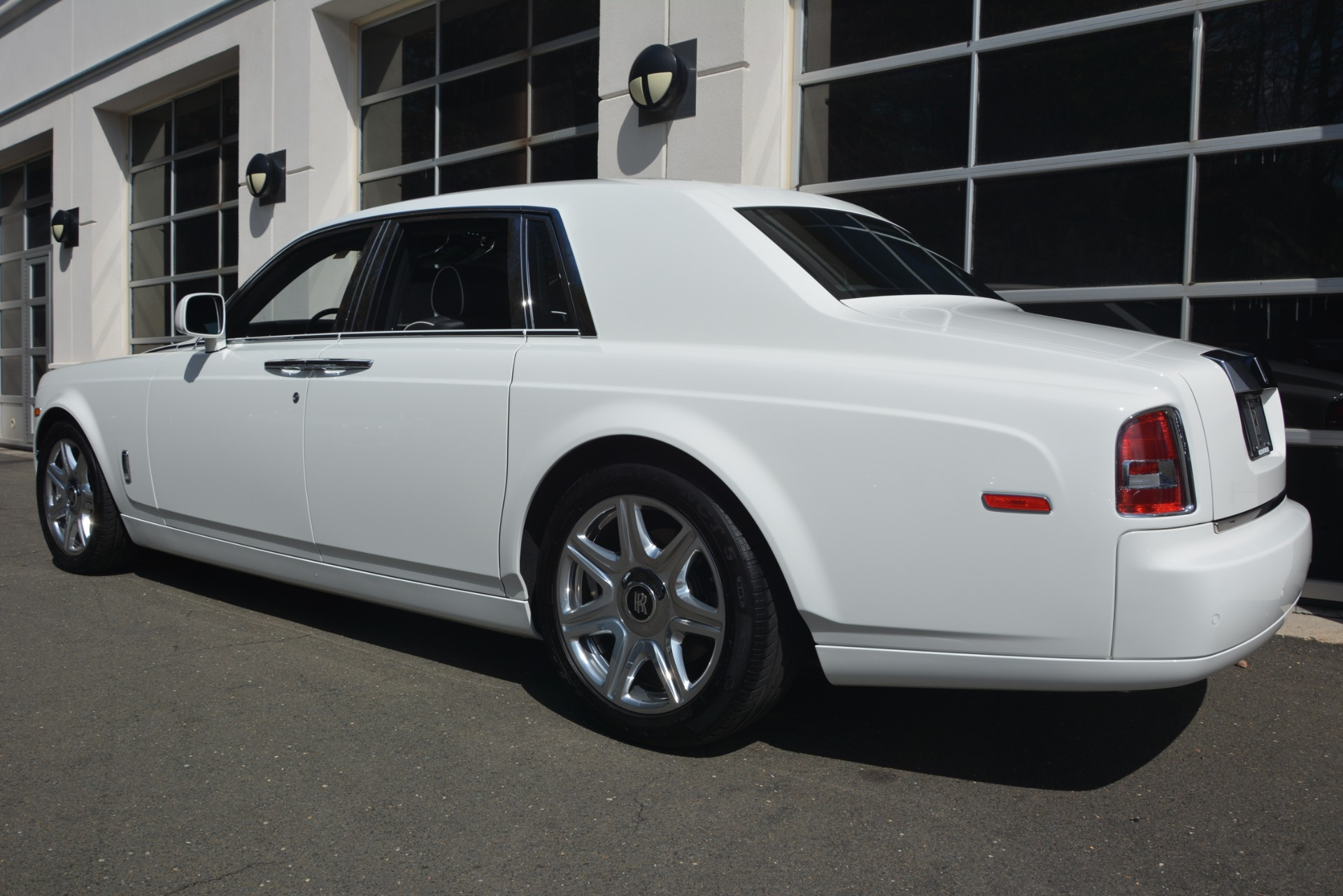 Used 2014 Rolls-Royce Phantom  For Sale In Greenwich, CT. Alfa Romeo of Greenwich, 7503 2998_p6