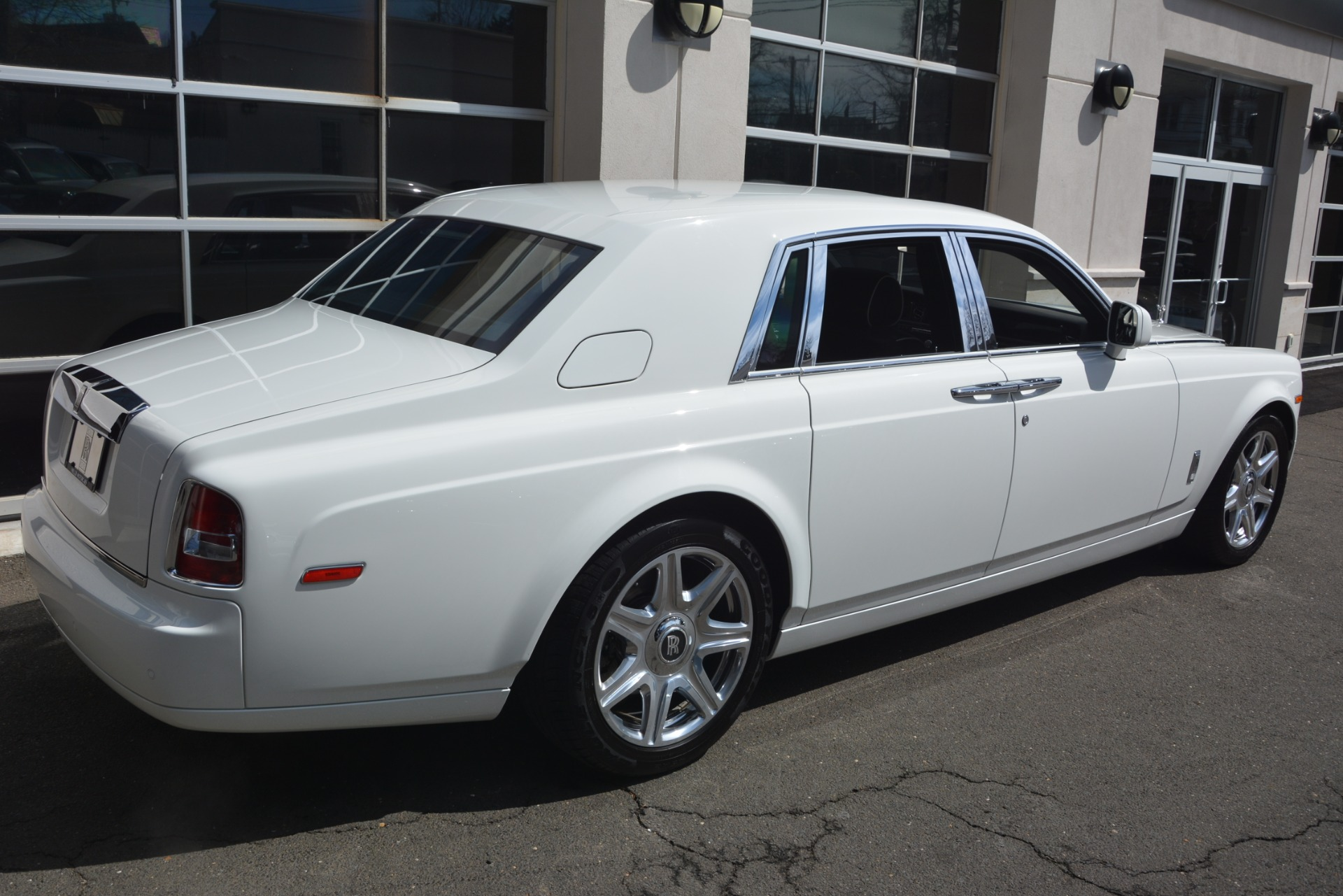 Used 2014 Rolls-Royce Phantom  For Sale In Greenwich, CT. Alfa Romeo of Greenwich, 7503 2998_p9