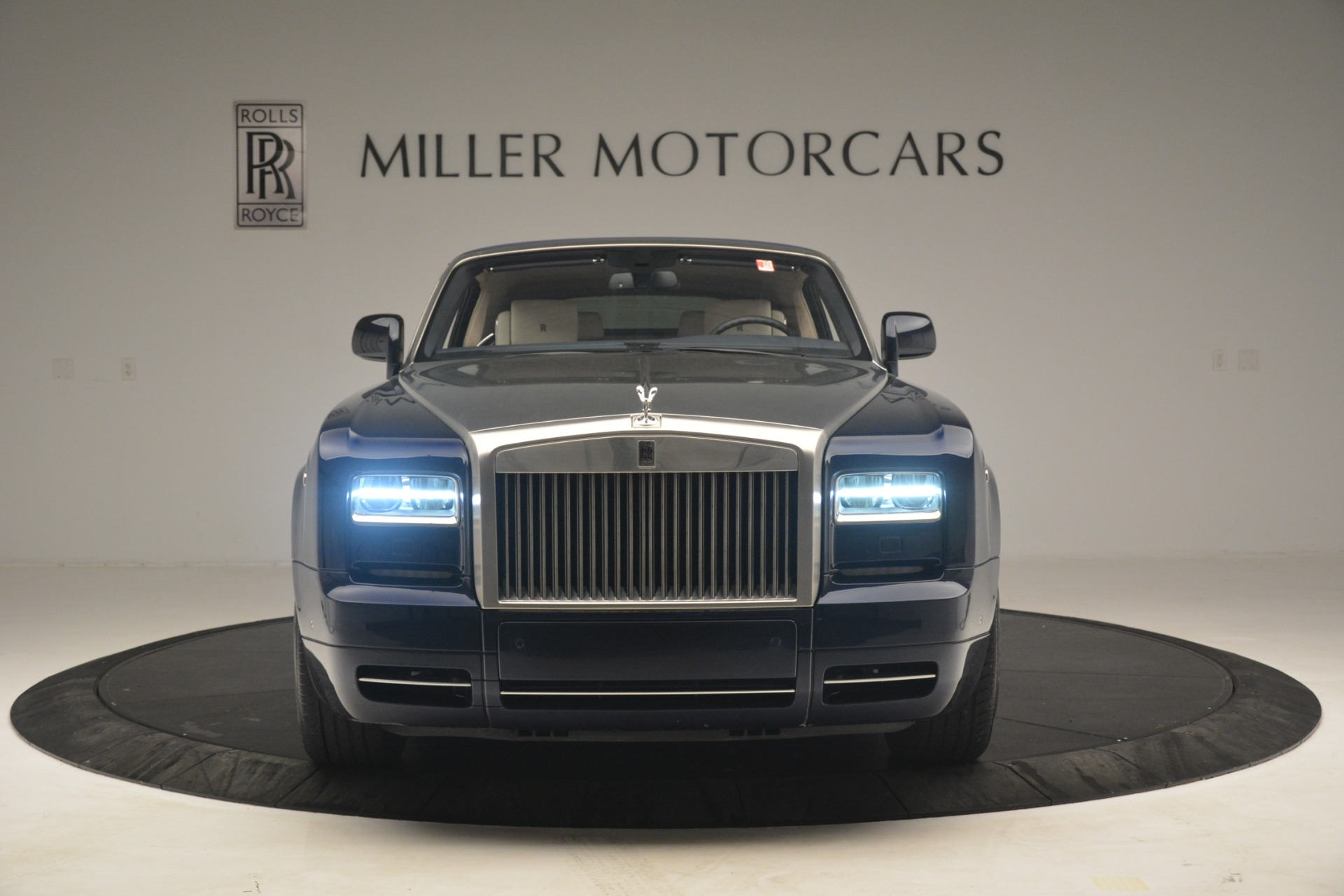 Used 2013 Rolls-Royce Phantom Drophead Coupe  For Sale In Greenwich, CT. Alfa Romeo of Greenwich, 7502 2999_p15