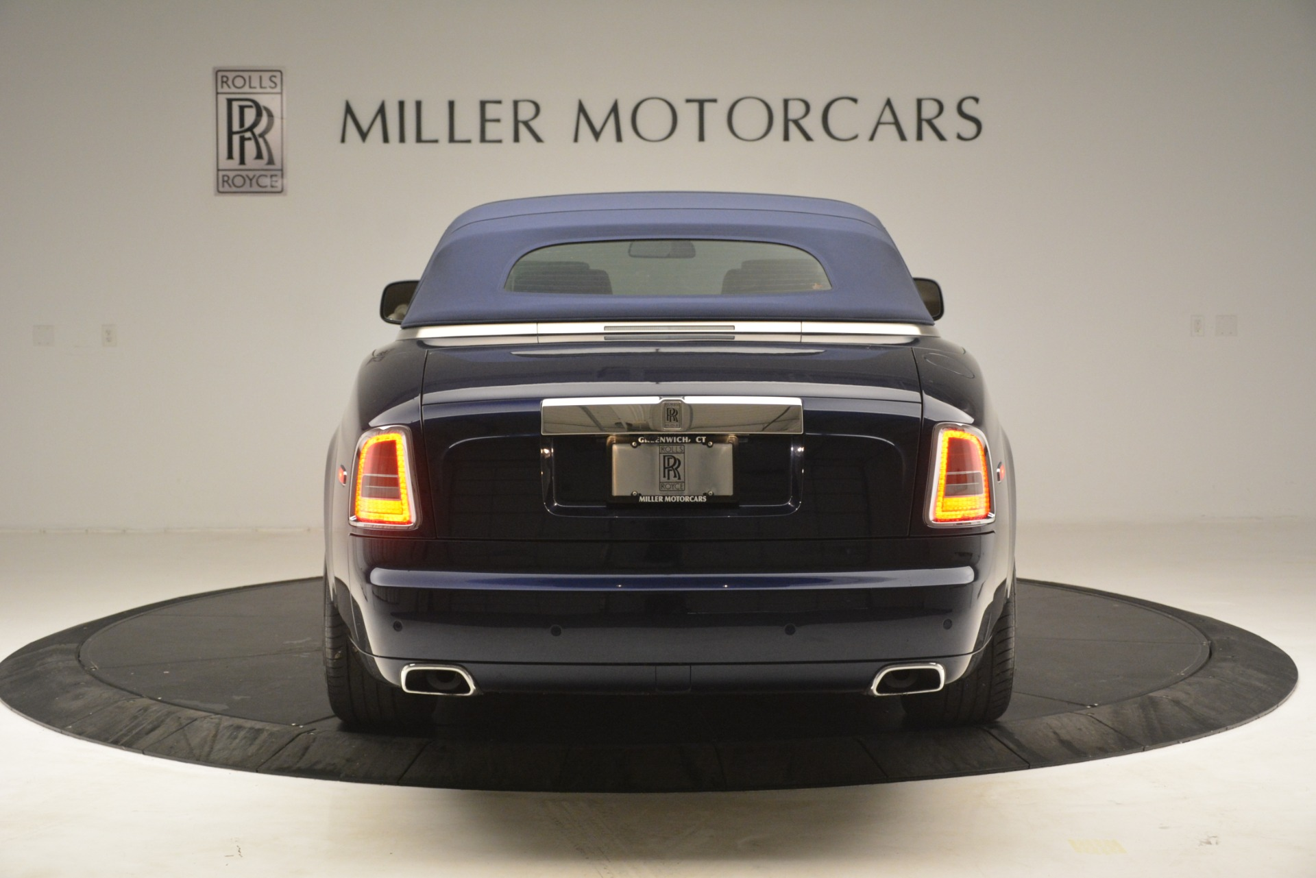 Used 2013 Rolls-Royce Phantom Drophead Coupe  For Sale In Greenwich, CT. Alfa Romeo of Greenwich, 7502 2999_p22