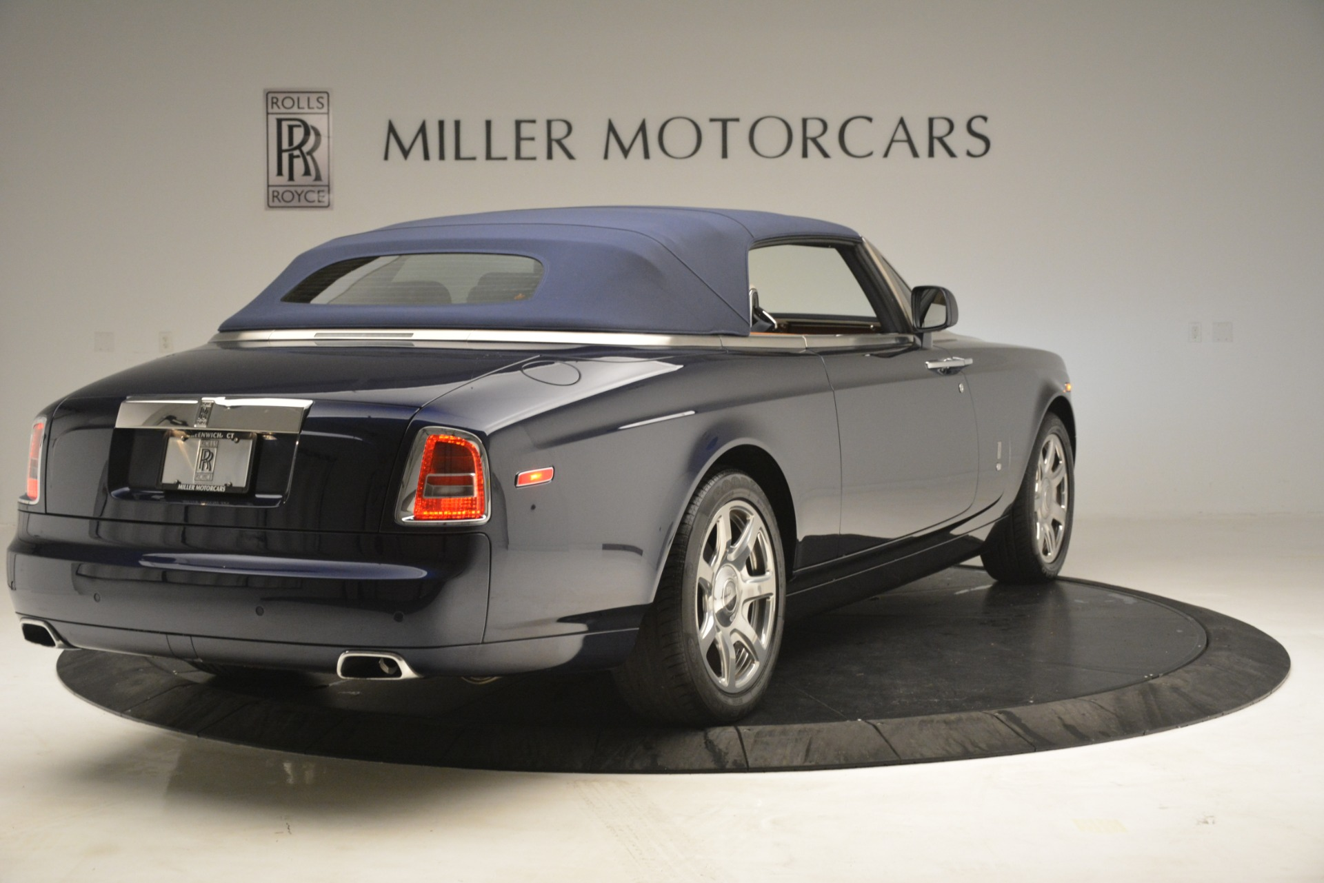 Used 2013 Rolls-Royce Phantom Drophead Coupe  For Sale In Greenwich, CT. Alfa Romeo of Greenwich, 7502 2999_p24