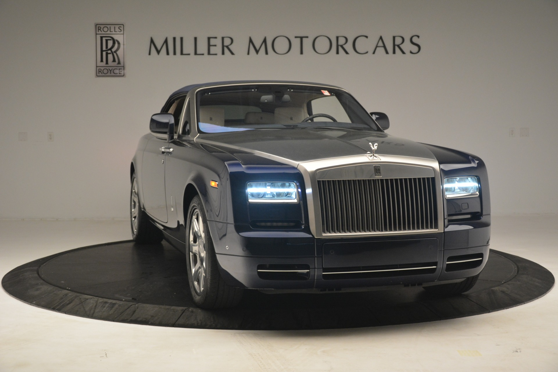 Used 2013 Rolls-Royce Phantom Drophead Coupe  For Sale In Greenwich, CT. Alfa Romeo of Greenwich, 7502 2999_p28