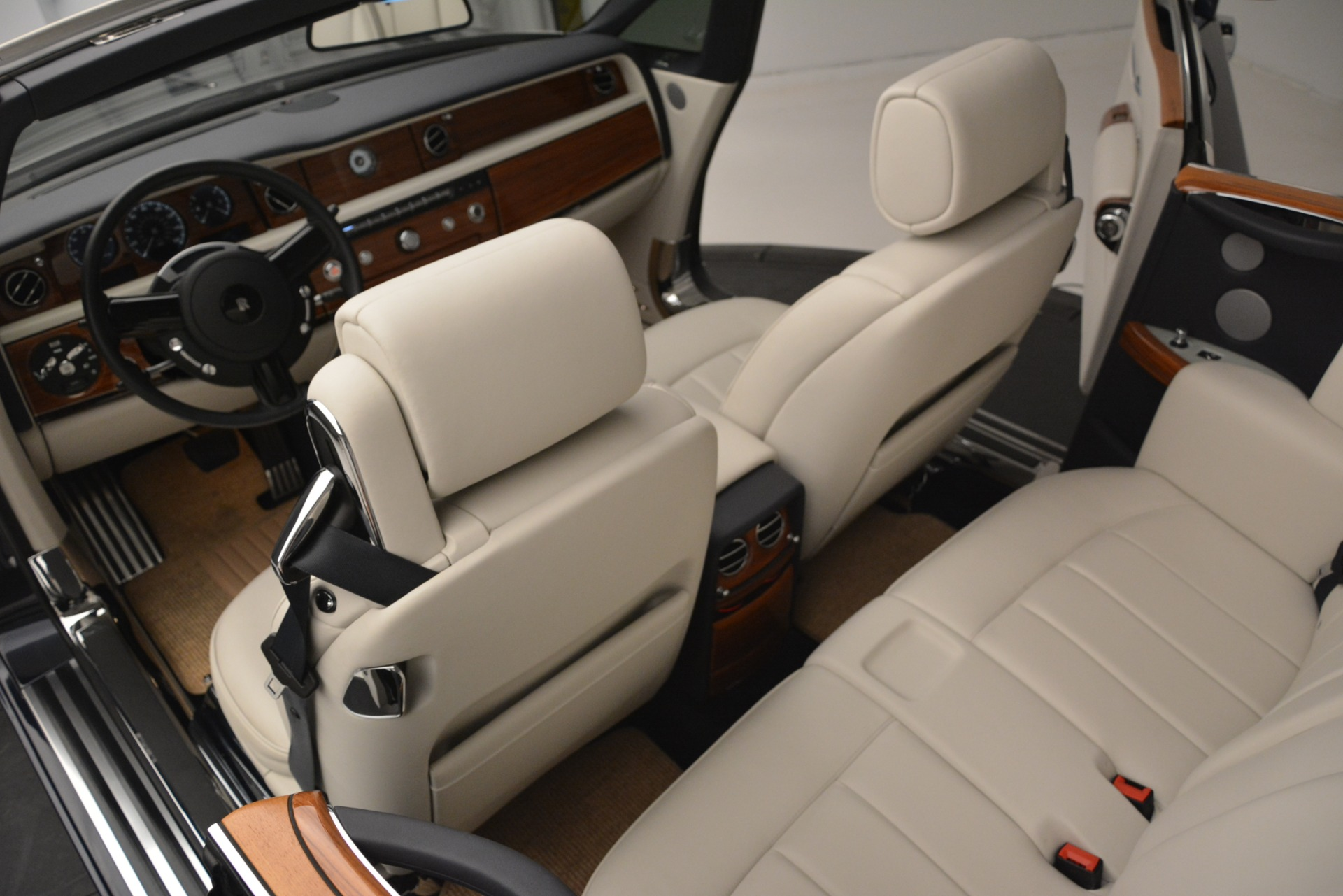 Used 2013 Rolls-Royce Phantom Drophead Coupe  For Sale In Greenwich, CT. Alfa Romeo of Greenwich, 7502 2999_p31