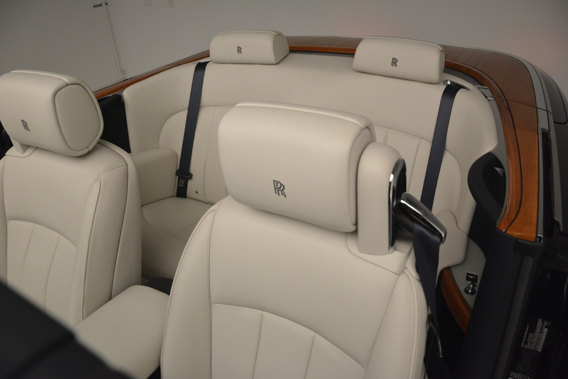 Used 2013 Rolls-Royce Phantom Drophead Coupe  For Sale In Greenwich, CT. Alfa Romeo of Greenwich, 7502 2999_p32
