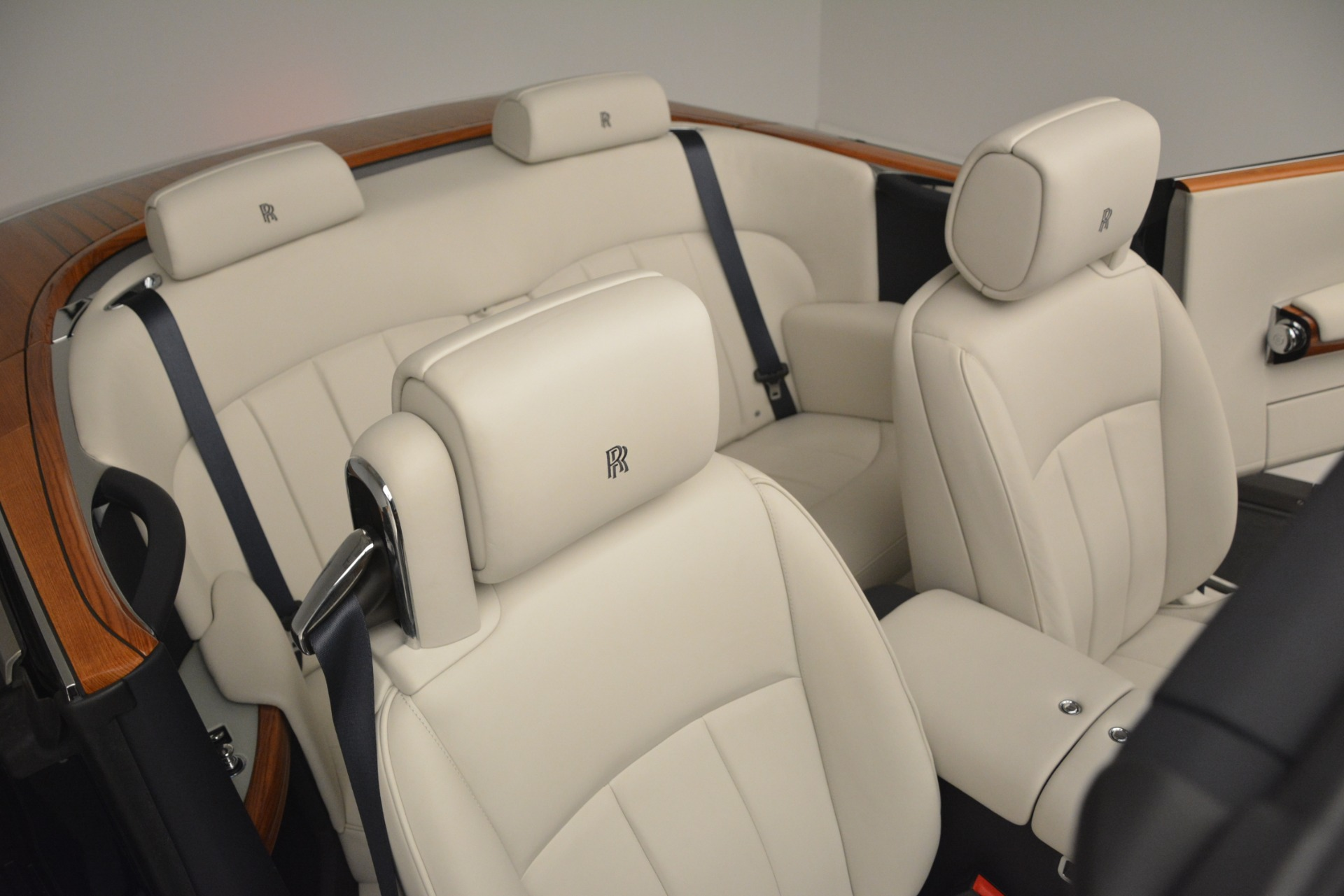 Used 2013 Rolls-Royce Phantom Drophead Coupe  For Sale In Greenwich, CT. Alfa Romeo of Greenwich, 7502 2999_p36
