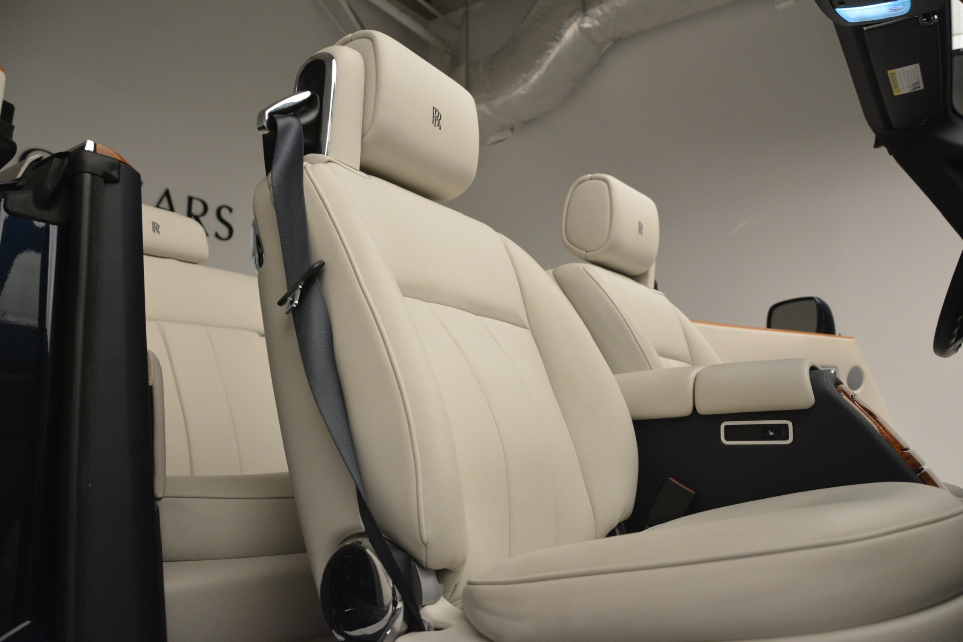 Used 2013 Rolls-Royce Phantom Drophead Coupe  For Sale In Greenwich, CT. Alfa Romeo of Greenwich, 7502 2999_p37