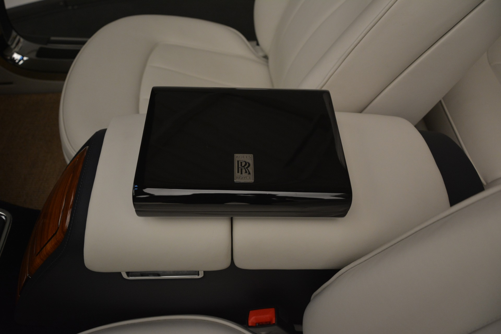 Used 2013 Rolls-Royce Phantom Drophead Coupe  For Sale In Greenwich, CT. Alfa Romeo of Greenwich, 7502 2999_p42