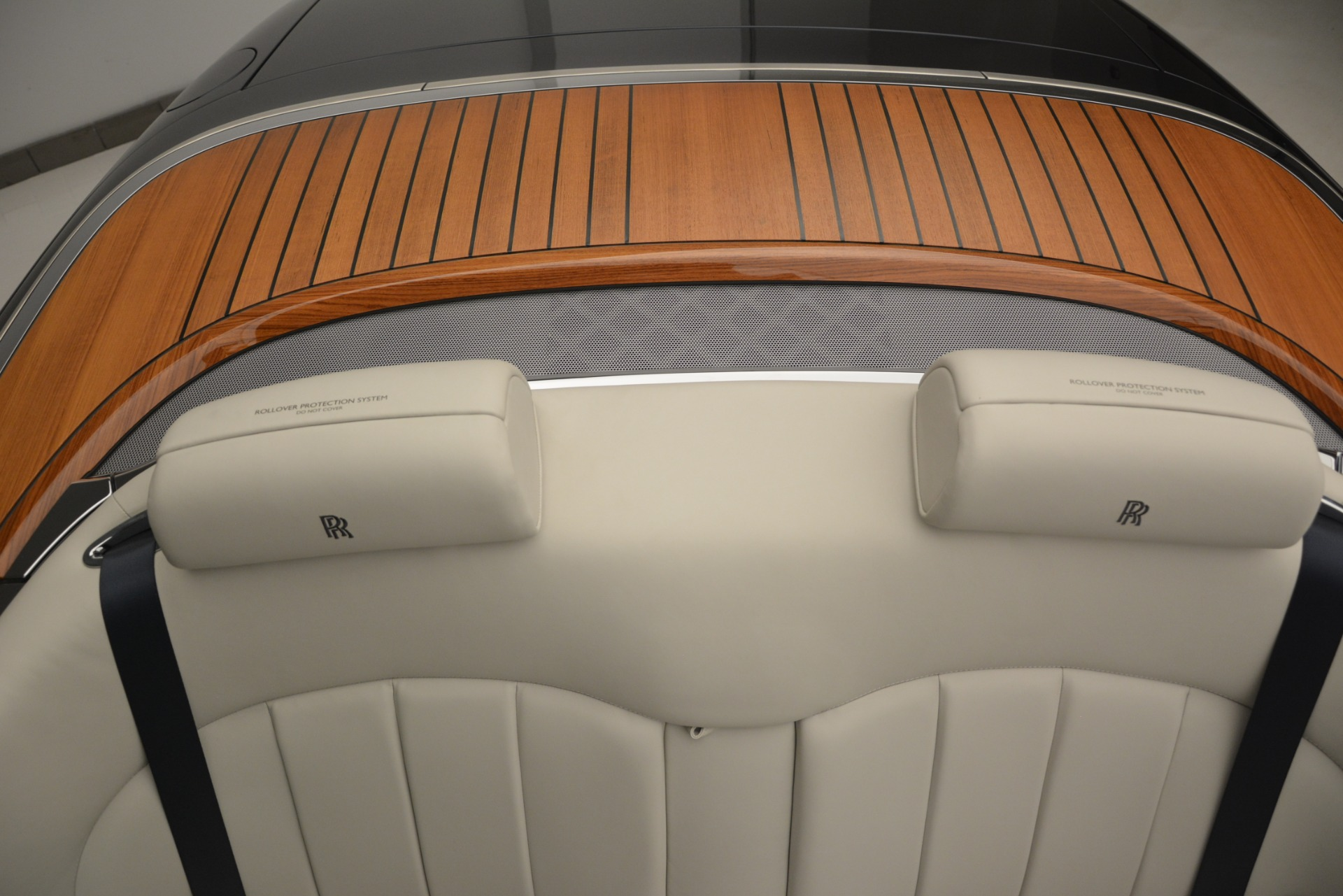 Used 2013 Rolls-Royce Phantom Drophead Coupe  For Sale In Greenwich, CT. Alfa Romeo of Greenwich, 7502 2999_p46