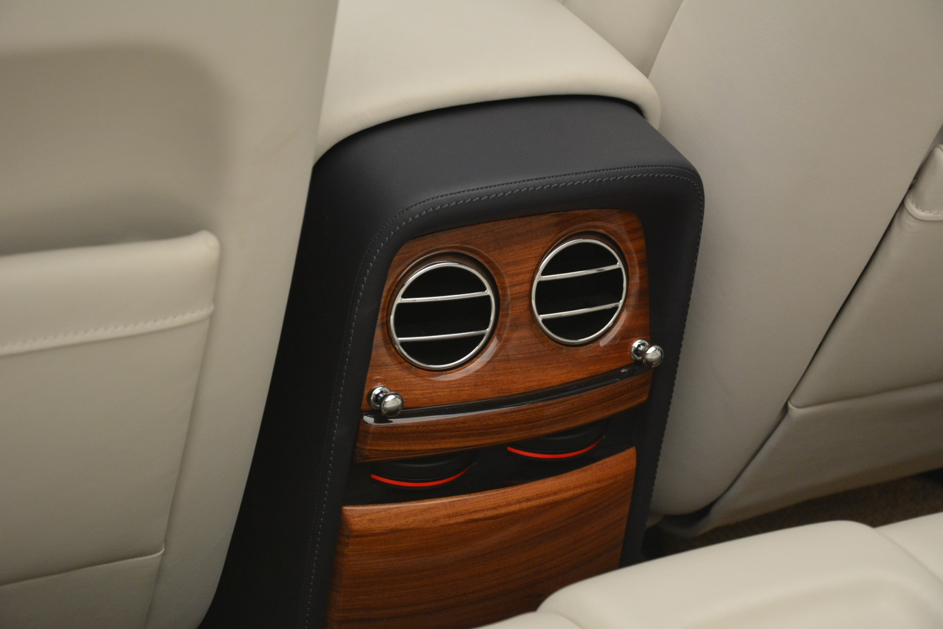 Used 2013 Rolls-Royce Phantom Drophead Coupe  For Sale In Greenwich, CT. Alfa Romeo of Greenwich, 7502 2999_p49