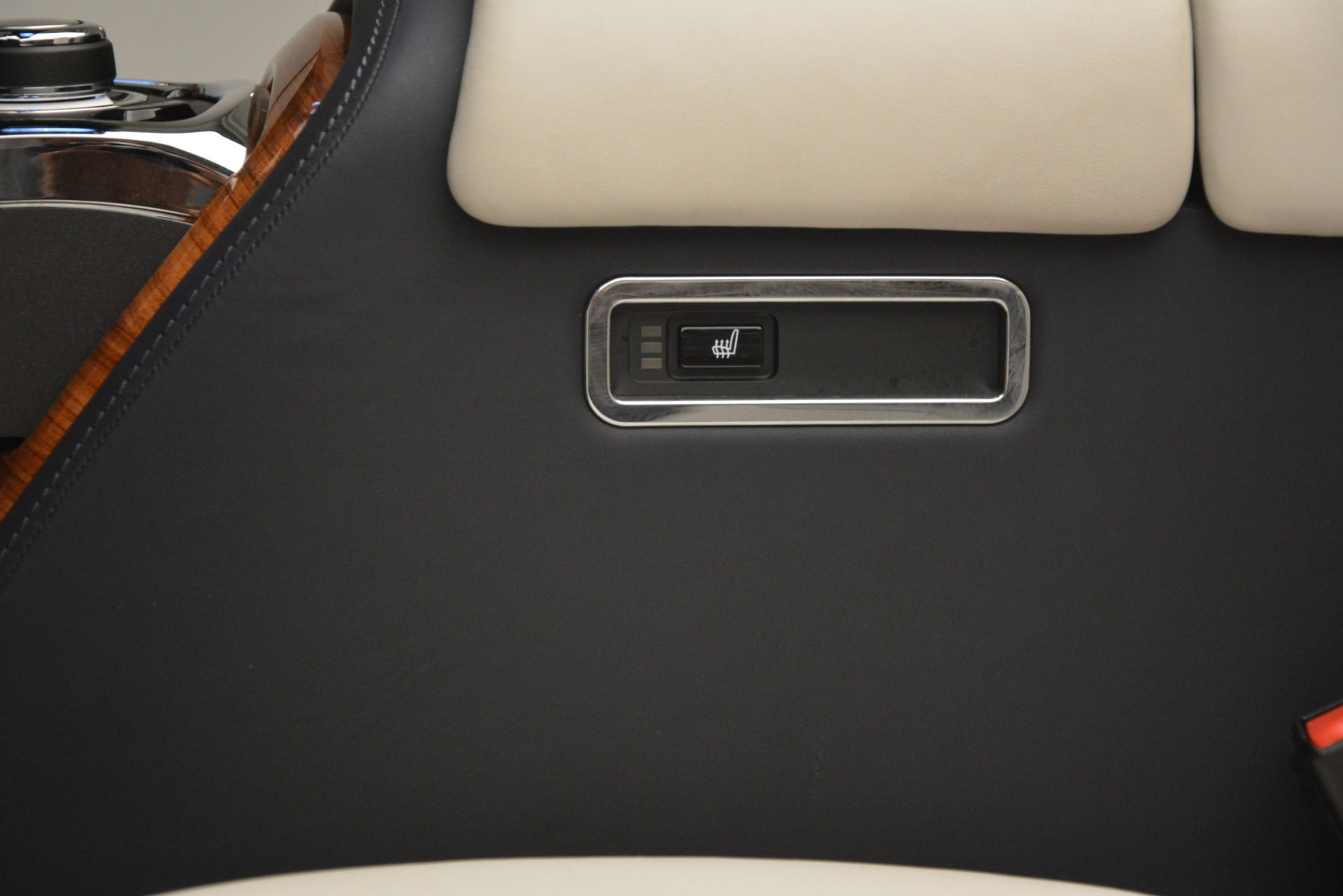 Used 2013 Rolls-Royce Phantom Drophead Coupe  For Sale In Greenwich, CT. Alfa Romeo of Greenwich, 7502 2999_p53