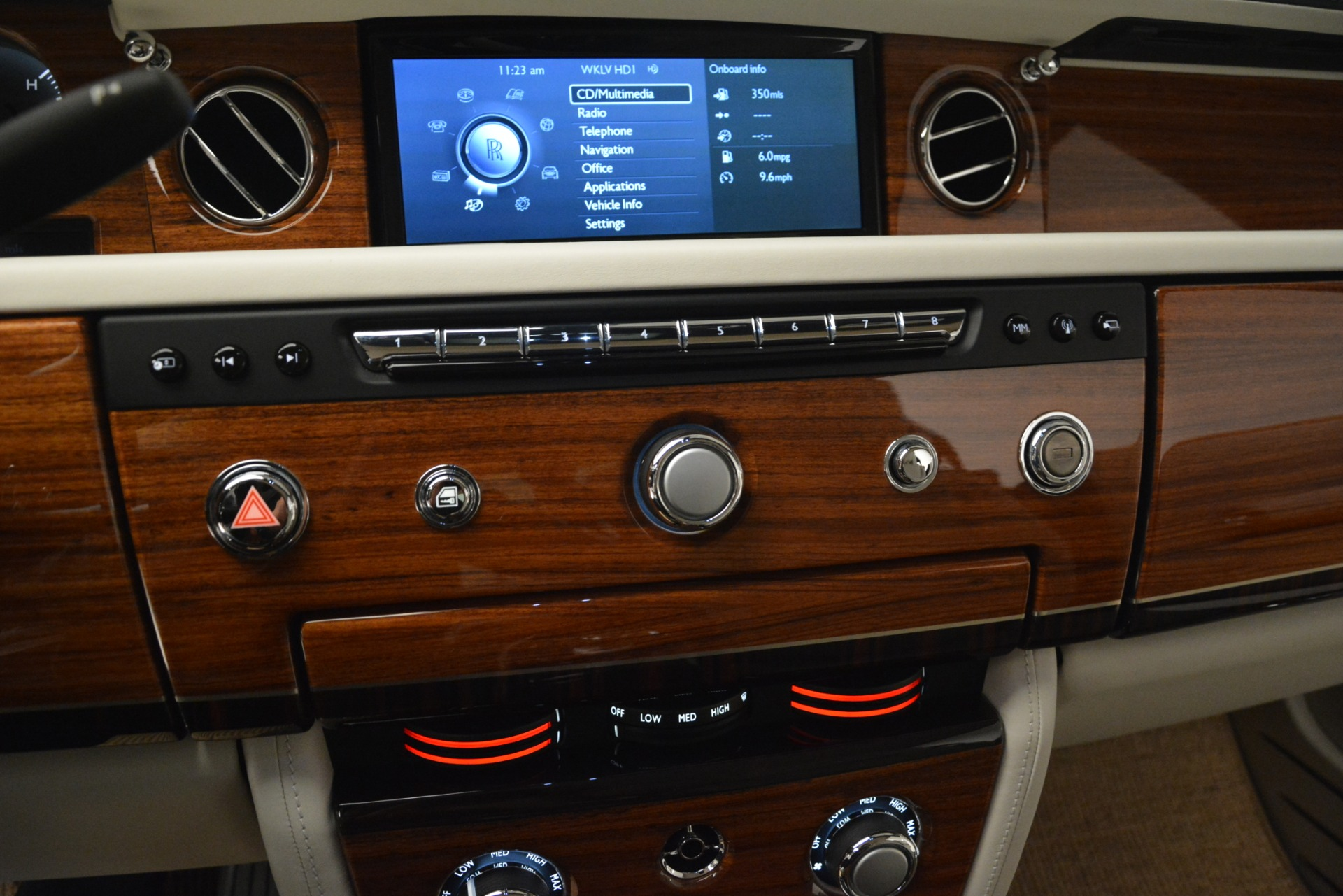 Used 2013 Rolls-Royce Phantom Drophead Coupe  For Sale In Greenwich, CT. Alfa Romeo of Greenwich, 7502 2999_p55