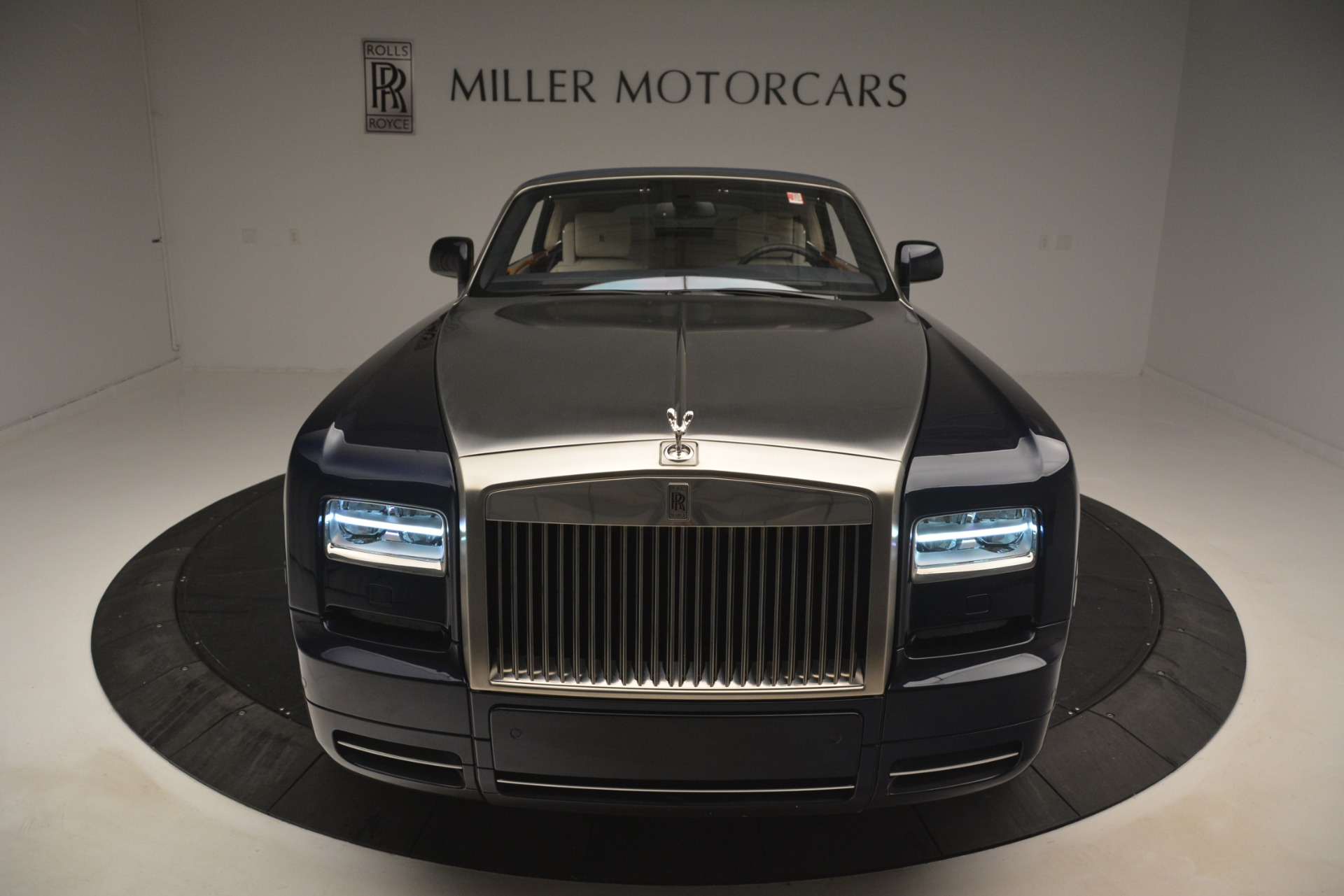 Used 2013 Rolls-Royce Phantom Drophead Coupe  For Sale In Greenwich, CT. Alfa Romeo of Greenwich, 7502 2999_p57