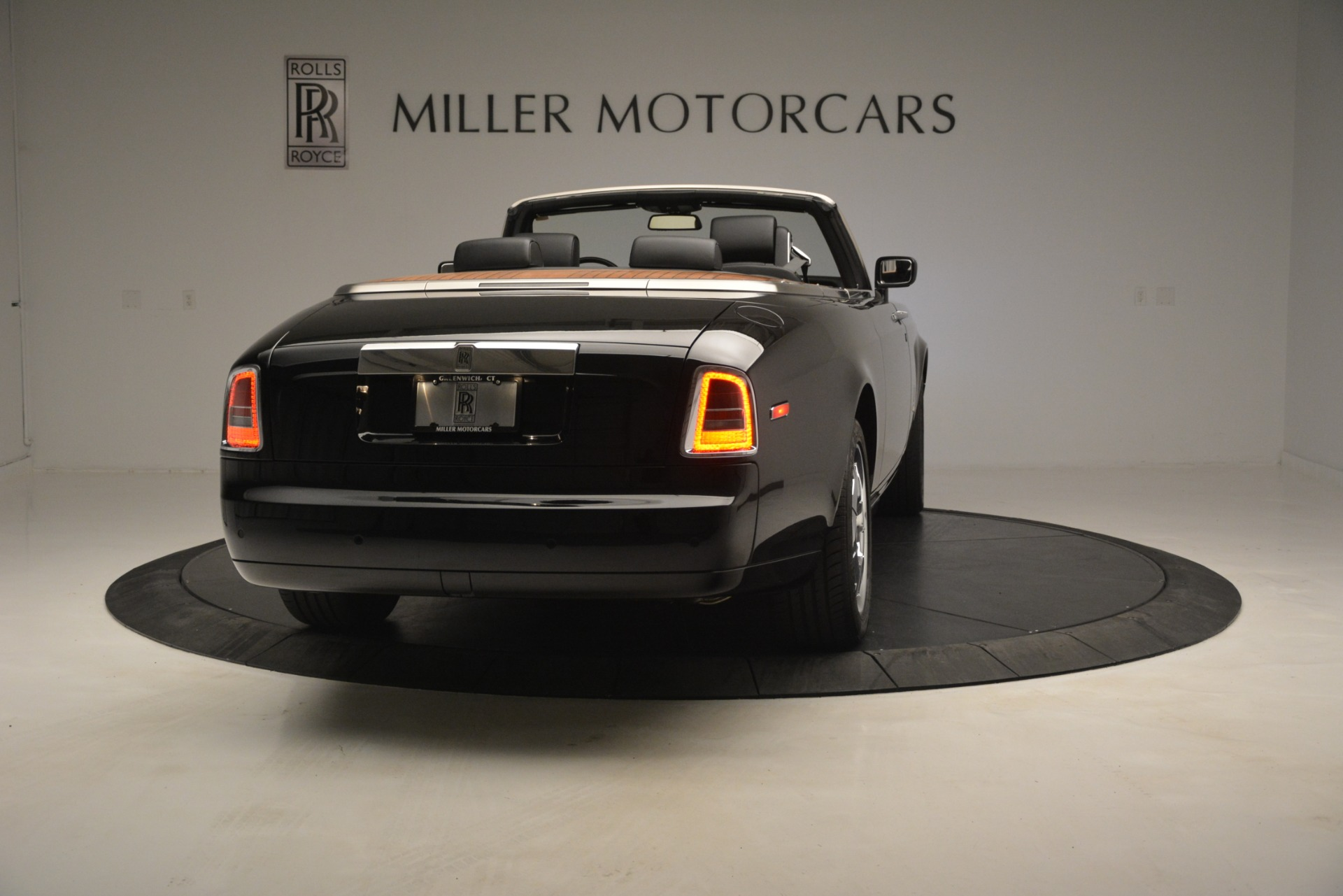 Used 2008 Rolls-Royce Phantom Drophead Coupe  For Sale $155900 In Greenwich, CT 3000_p10