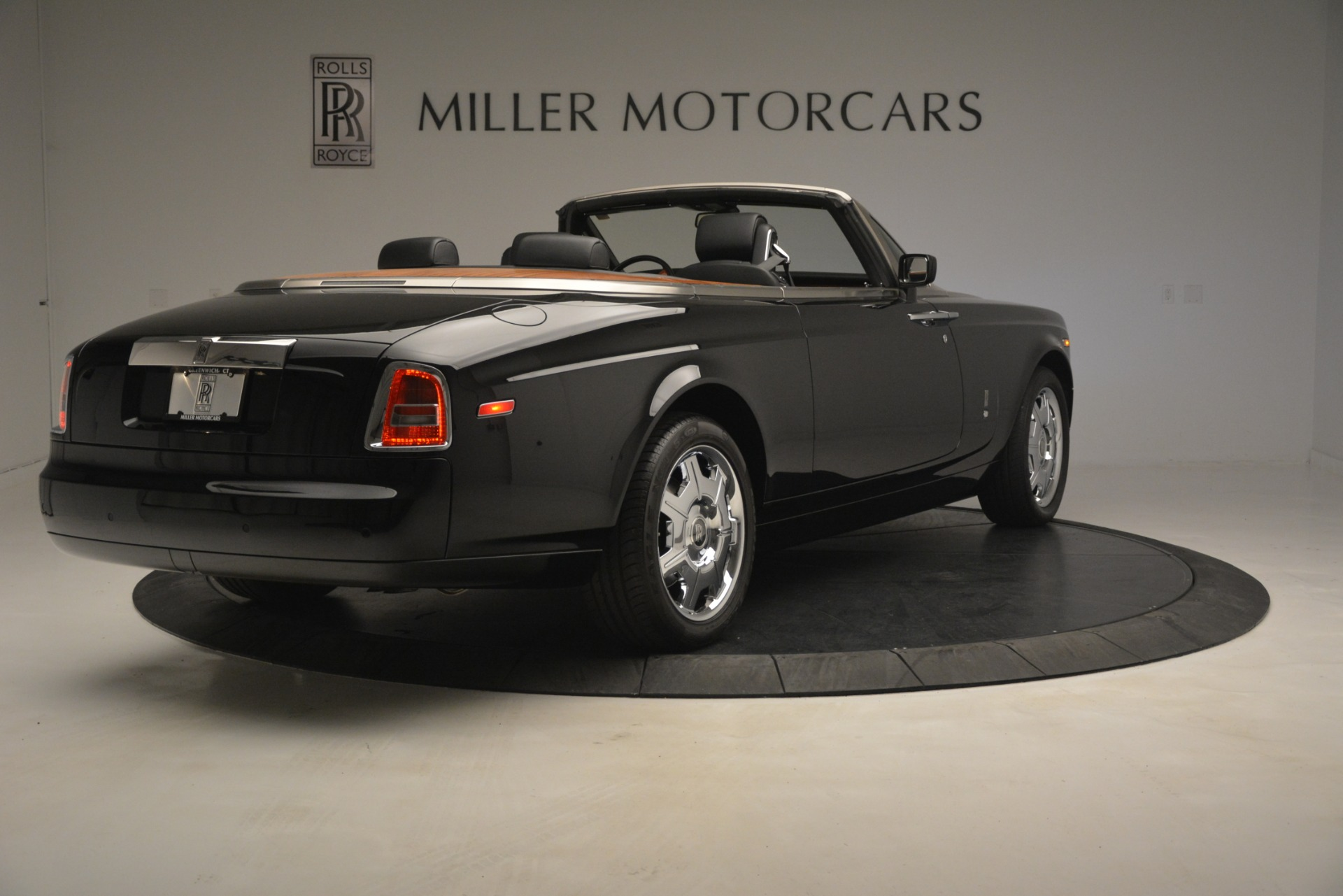 Used 2008 Rolls-Royce Phantom Drophead Coupe  For Sale In Greenwich, CT. Alfa Romeo of Greenwich, B1384A 3000_p11