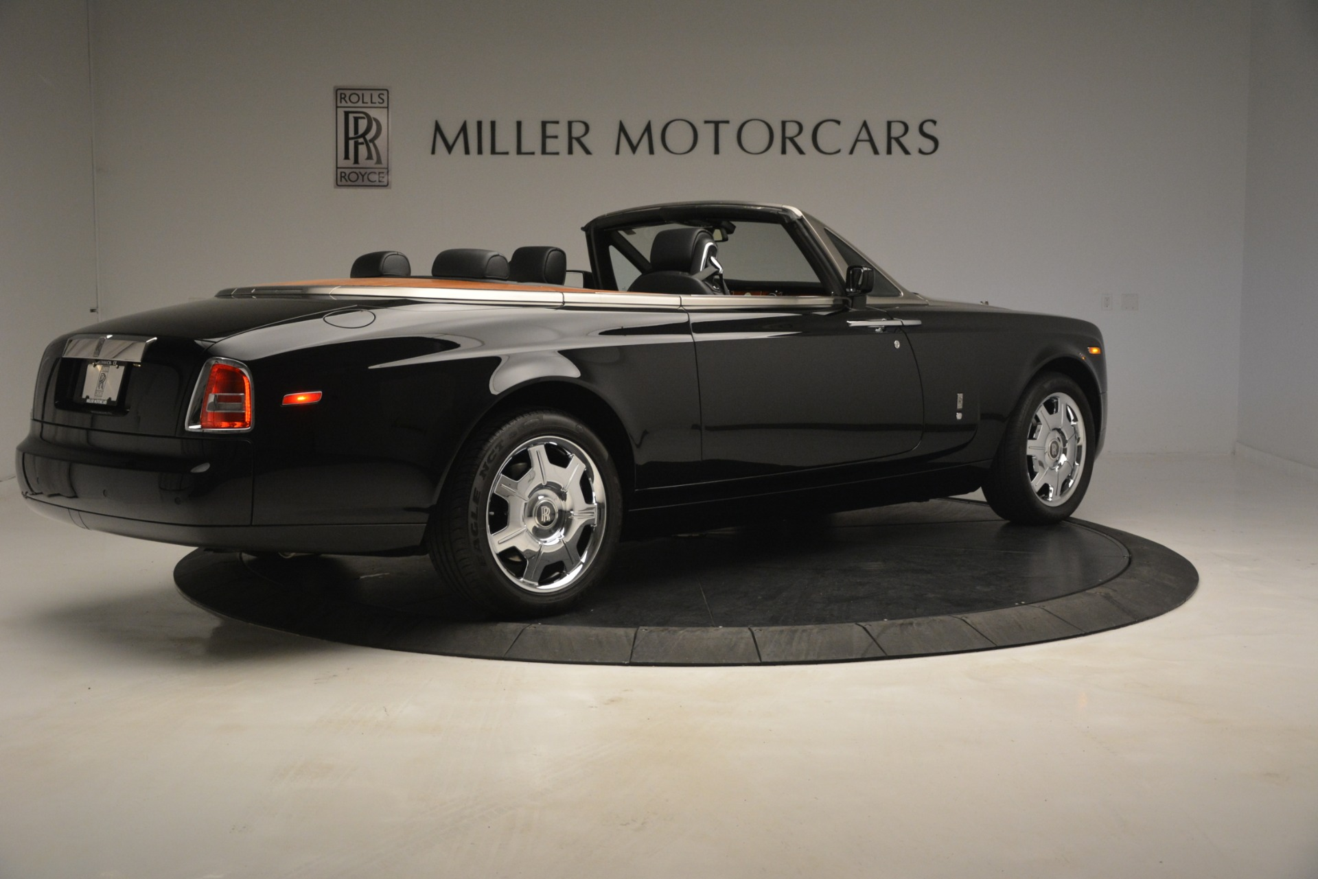 Used 2008 Rolls-Royce Phantom Drophead Coupe  For Sale $155900 In Greenwich, CT 3000_p12