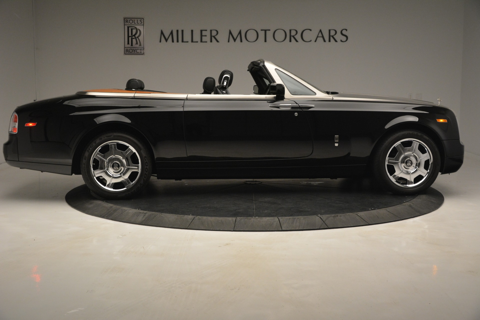 Used 2008 Rolls-Royce Phantom Drophead Coupe  For Sale In Greenwich, CT. Alfa Romeo of Greenwich, B1384A 3000_p13