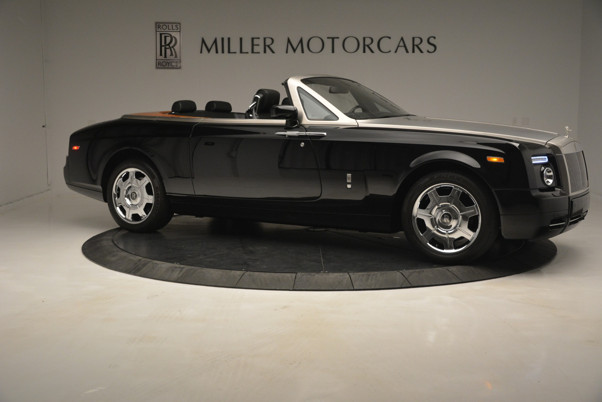 Used 2008 Rolls-Royce Phantom Drophead Coupe  For Sale In Greenwich, CT. Alfa Romeo of Greenwich, B1384A 3000_p14