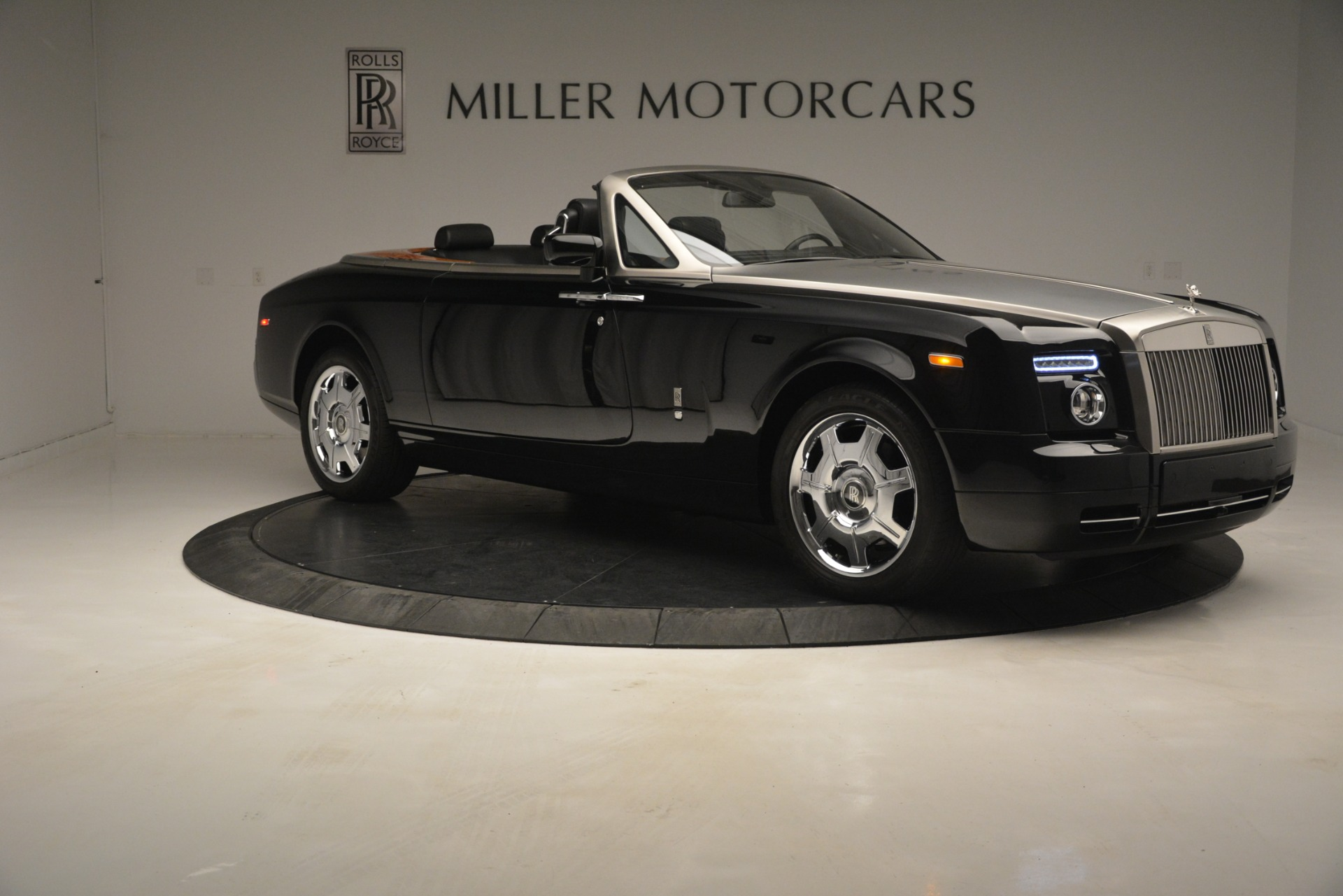 Used 2008 Rolls-Royce Phantom Drophead Coupe  For Sale In Greenwich, CT. Alfa Romeo of Greenwich, B1384A 3000_p15