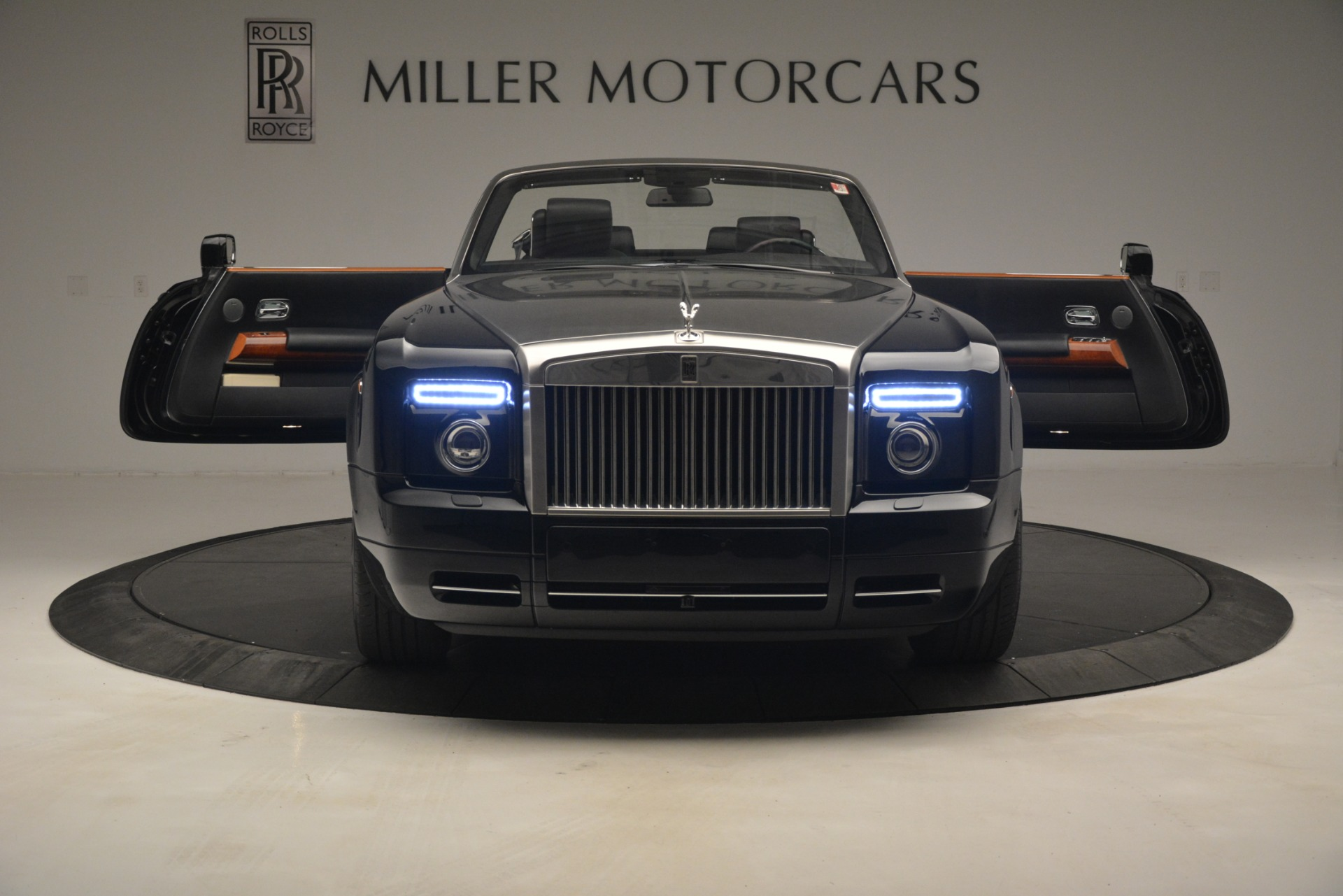 Used 2008 Rolls-Royce Phantom Drophead Coupe  For Sale In Greenwich, CT. Alfa Romeo of Greenwich, B1384A 3000_p17