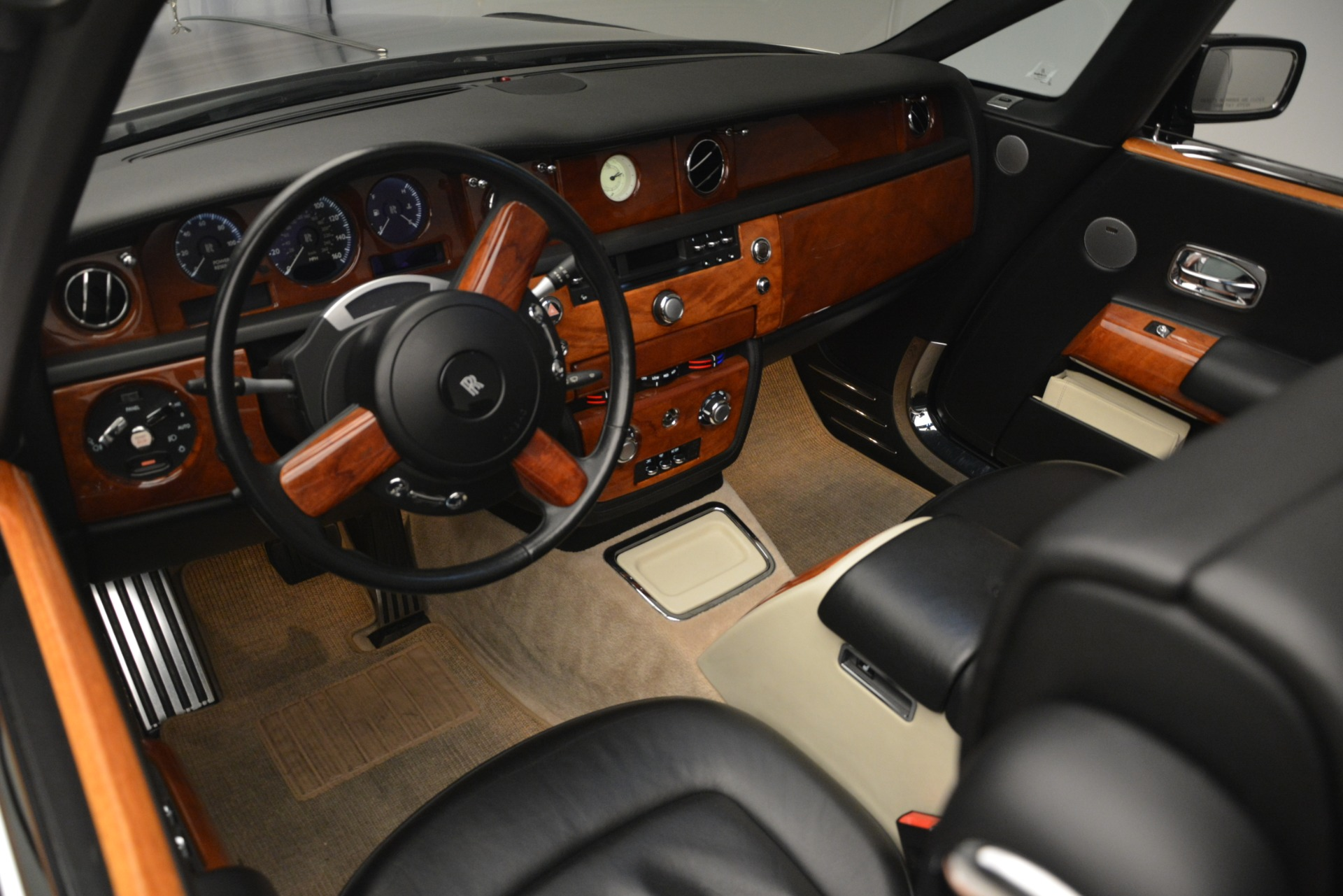 Used 2008 Rolls-Royce Phantom Drophead Coupe  For Sale In Greenwich, CT. Alfa Romeo of Greenwich, B1384A 3000_p22