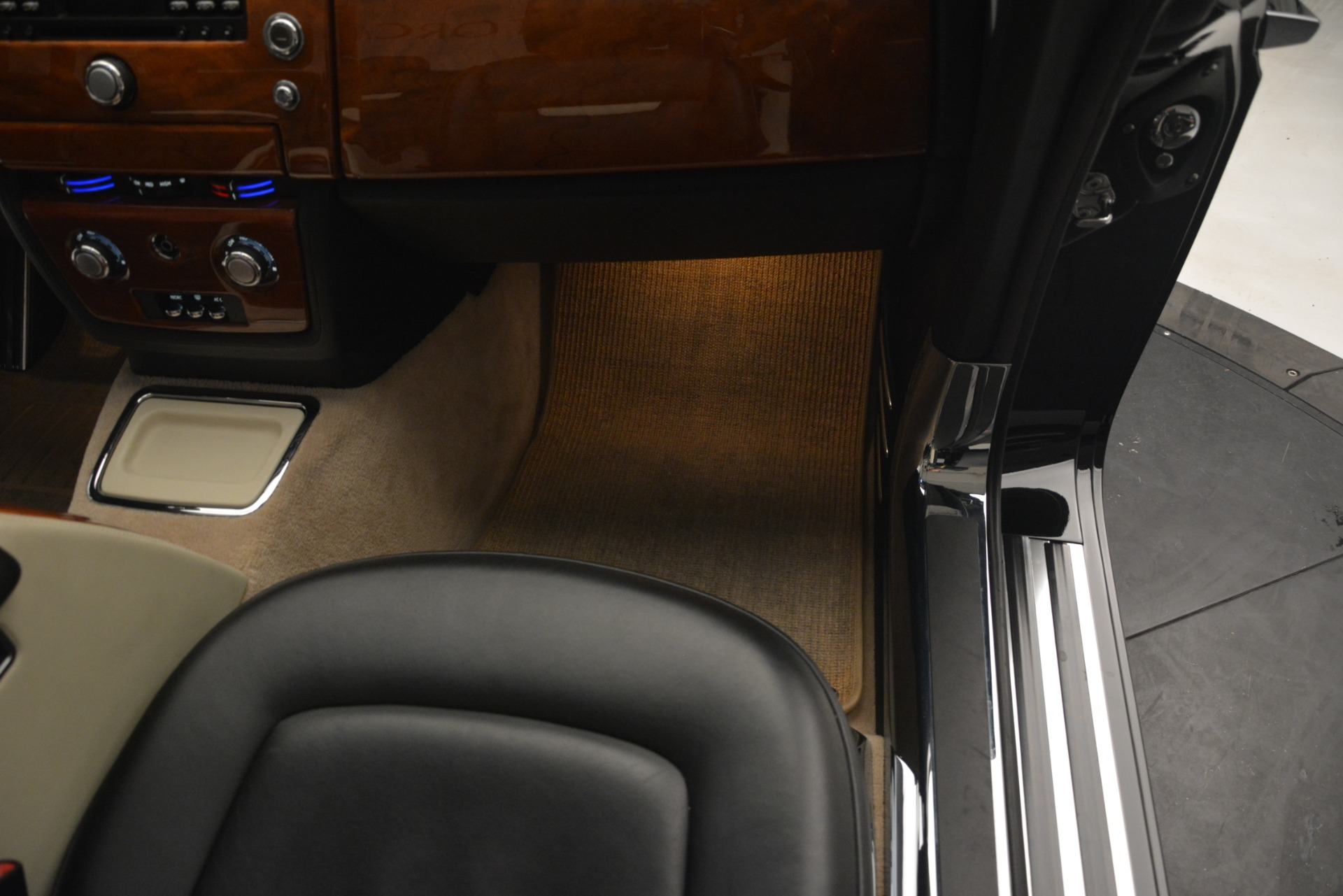 Used 2008 Rolls-Royce Phantom Drophead Coupe  For Sale $155900 In Greenwich, CT 3000_p26