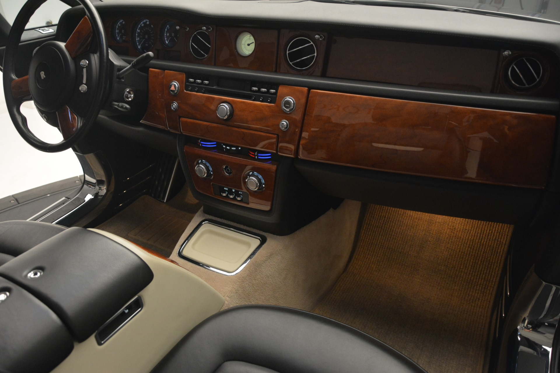 Used 2008 Rolls-Royce Phantom Drophead Coupe  For Sale $155900 In Greenwich, CT 3000_p27
