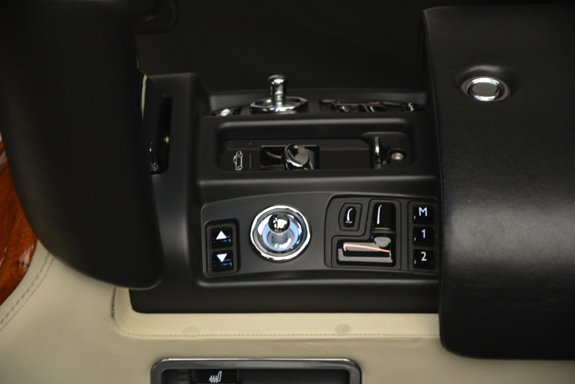 Used 2008 Rolls-Royce Phantom Drophead Coupe  For Sale $155900 In Greenwich, CT 3000_p32