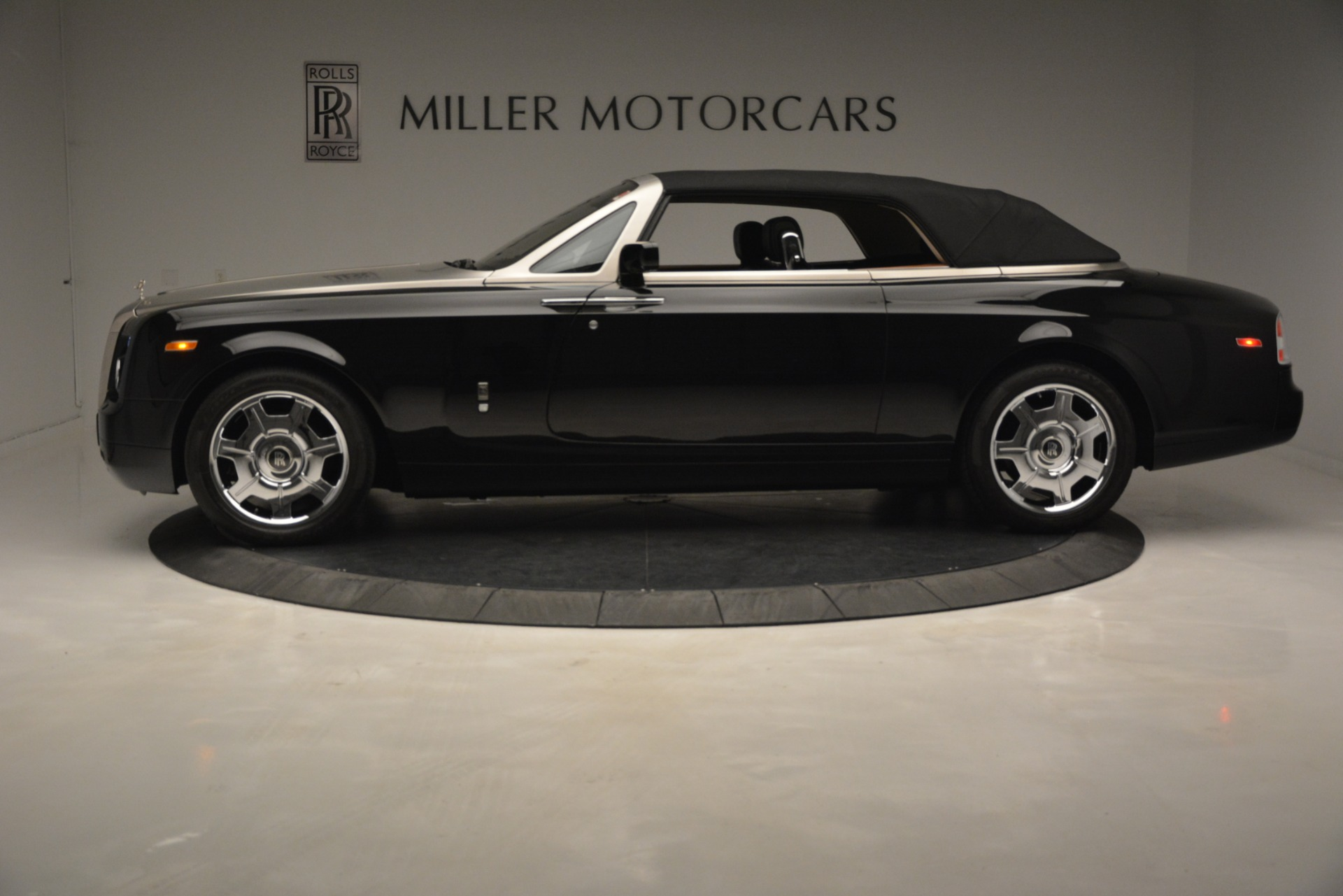 Used 2008 Rolls-Royce Phantom Drophead Coupe  For Sale $155900 In Greenwich, CT 3000_p35