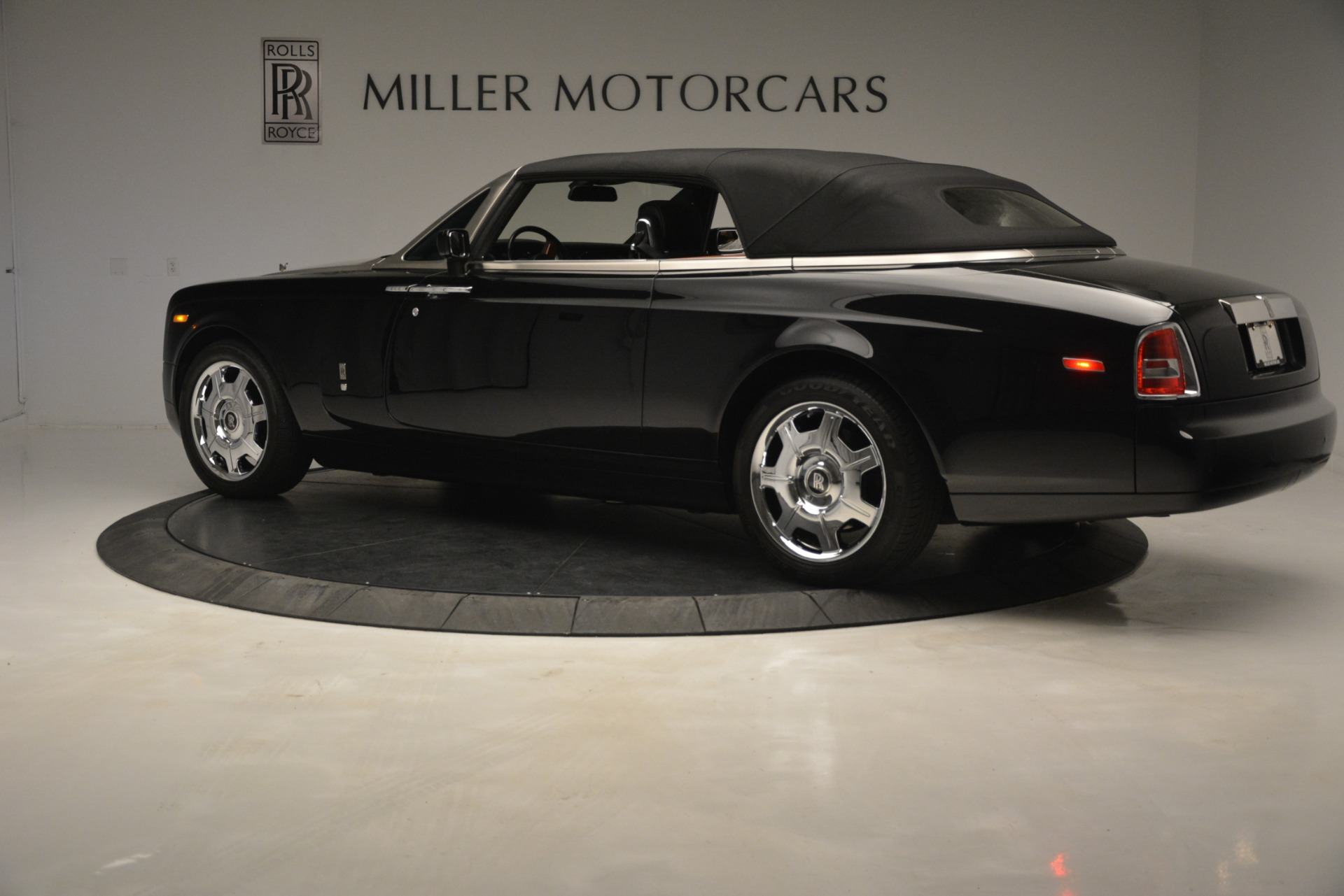 Used 2008 Rolls-Royce Phantom Drophead Coupe  For Sale $155900 In Greenwich, CT 3000_p36