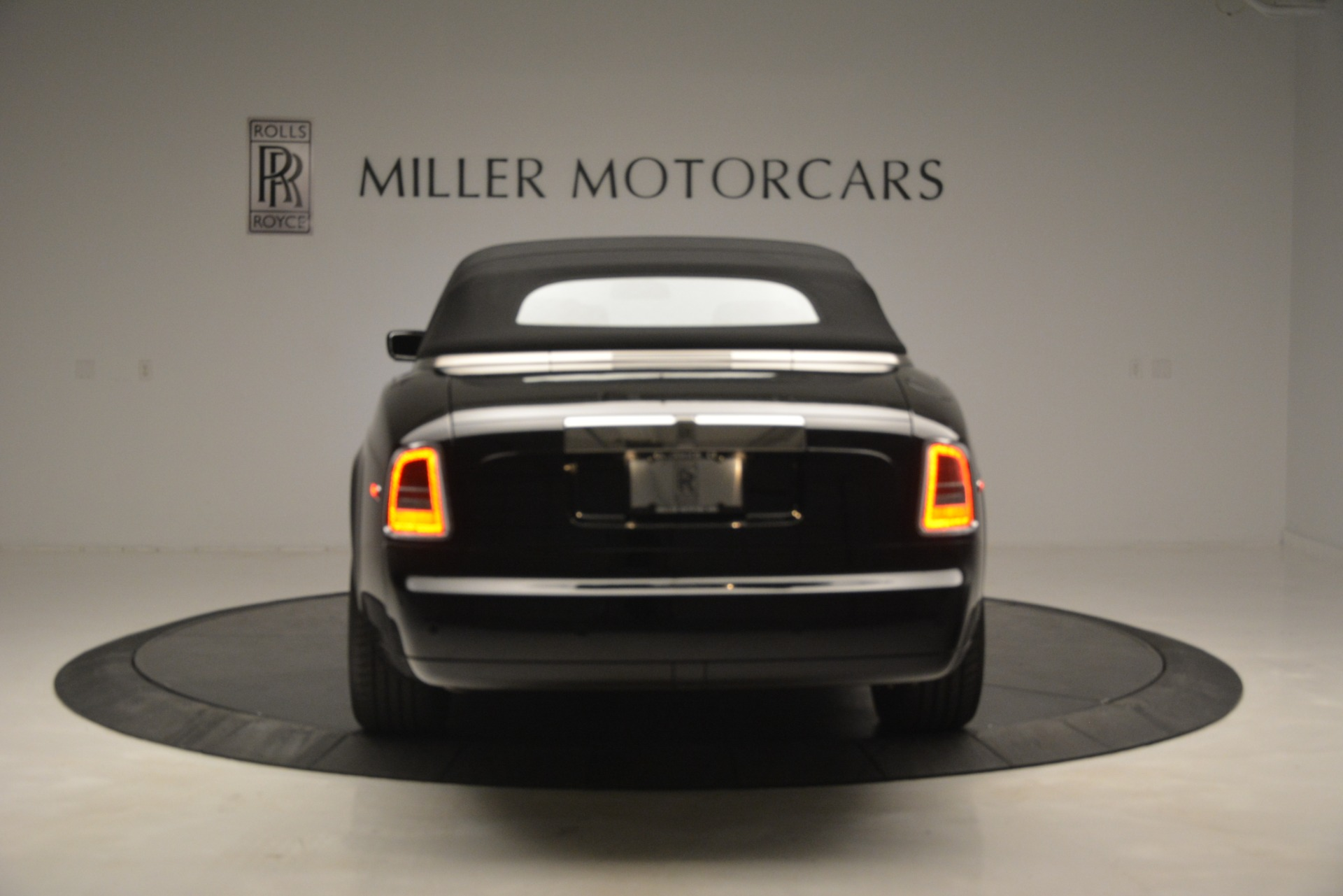 Used 2008 Rolls-Royce Phantom Drophead Coupe  For Sale $155900 In Greenwich, CT 3000_p37