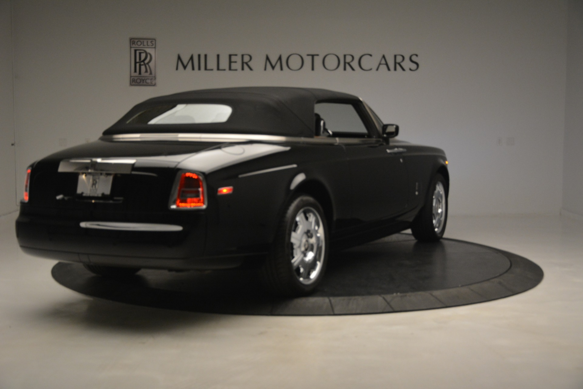 Used 2008 Rolls-Royce Phantom Drophead Coupe  For Sale $155900 In Greenwich, CT 3000_p38